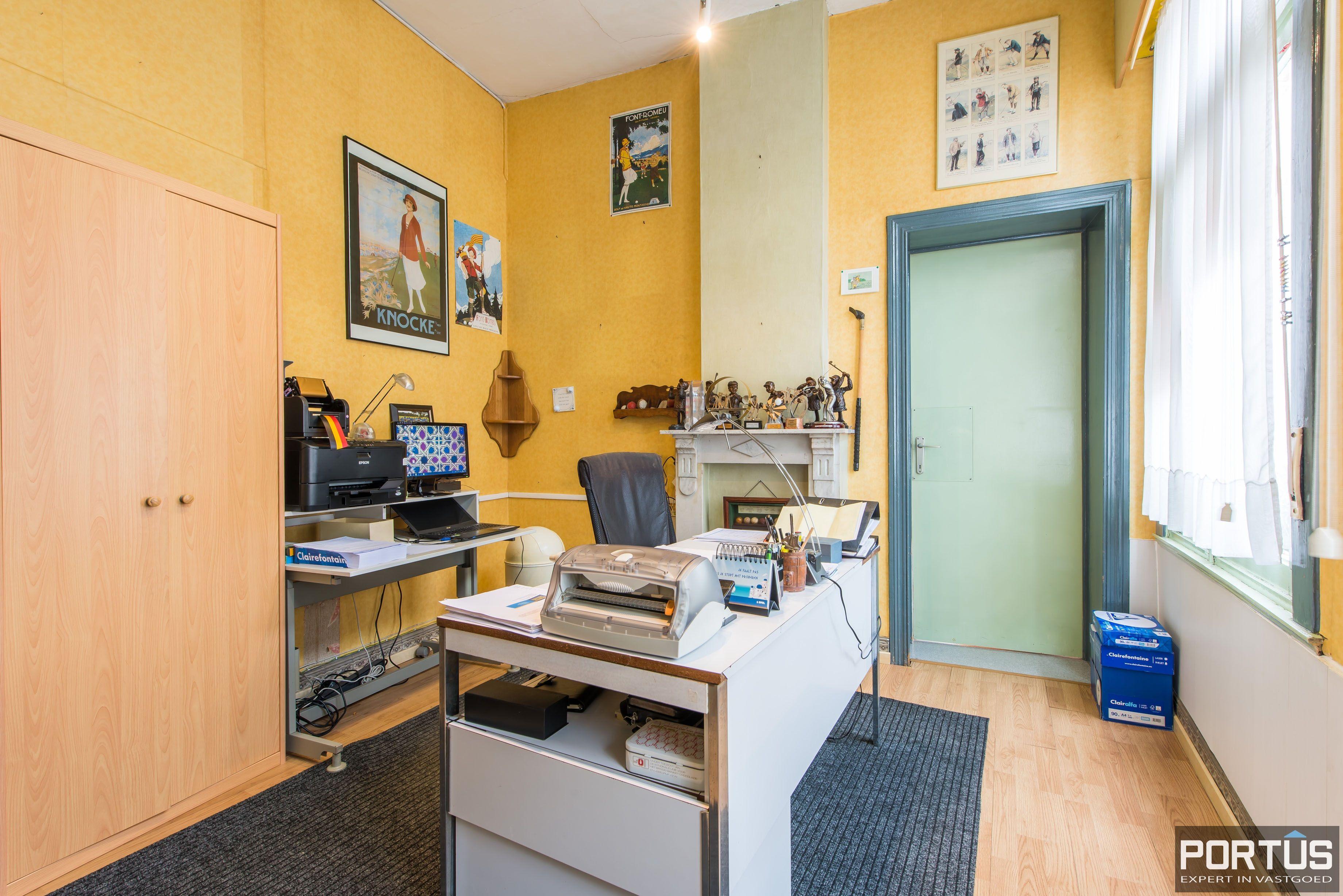 Handelshuis op commerciële ligging te koop te Nieuwpoort-Stad - 8848