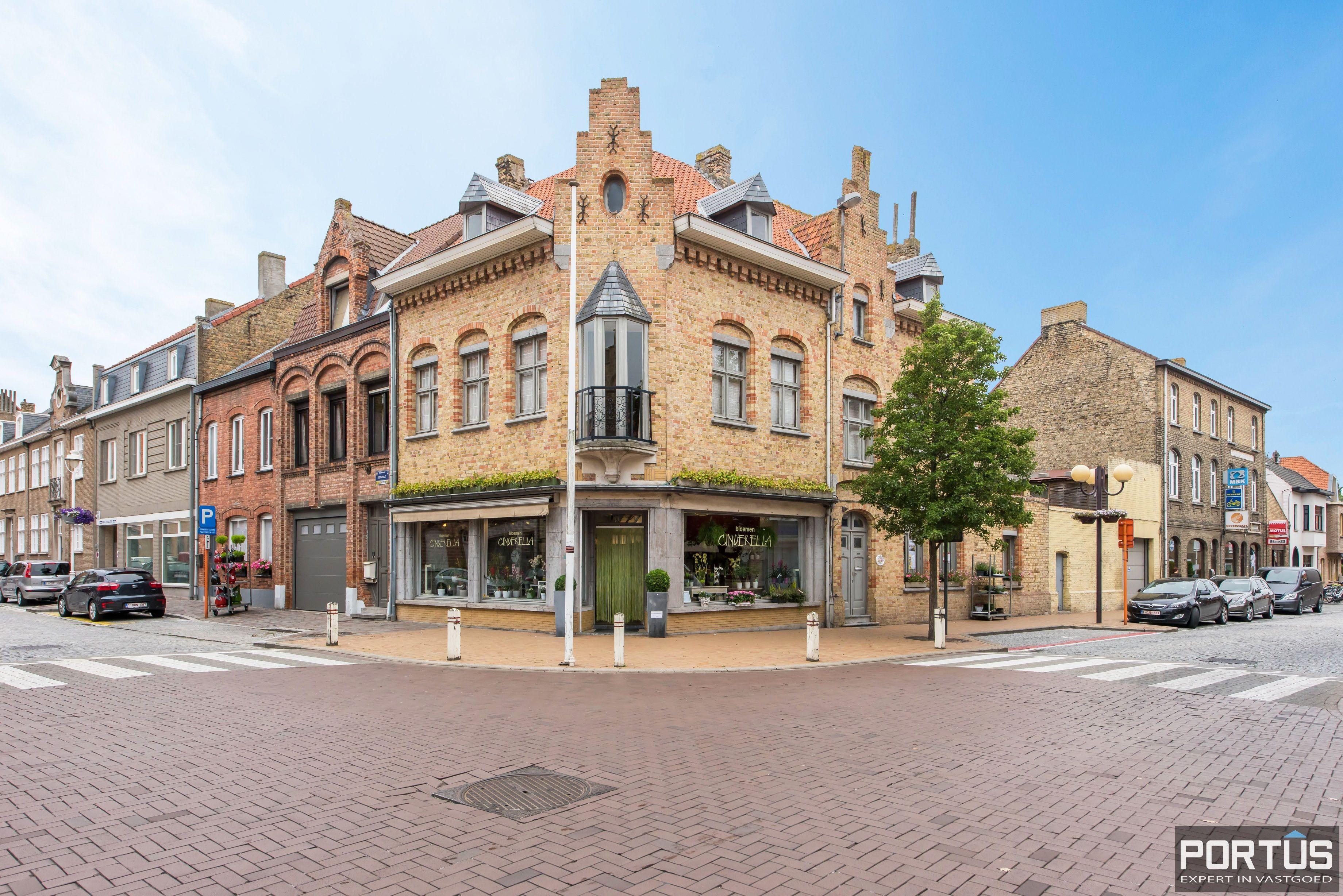 Handelshuis op commerciële ligging te koop te Nieuwpoort-Stad