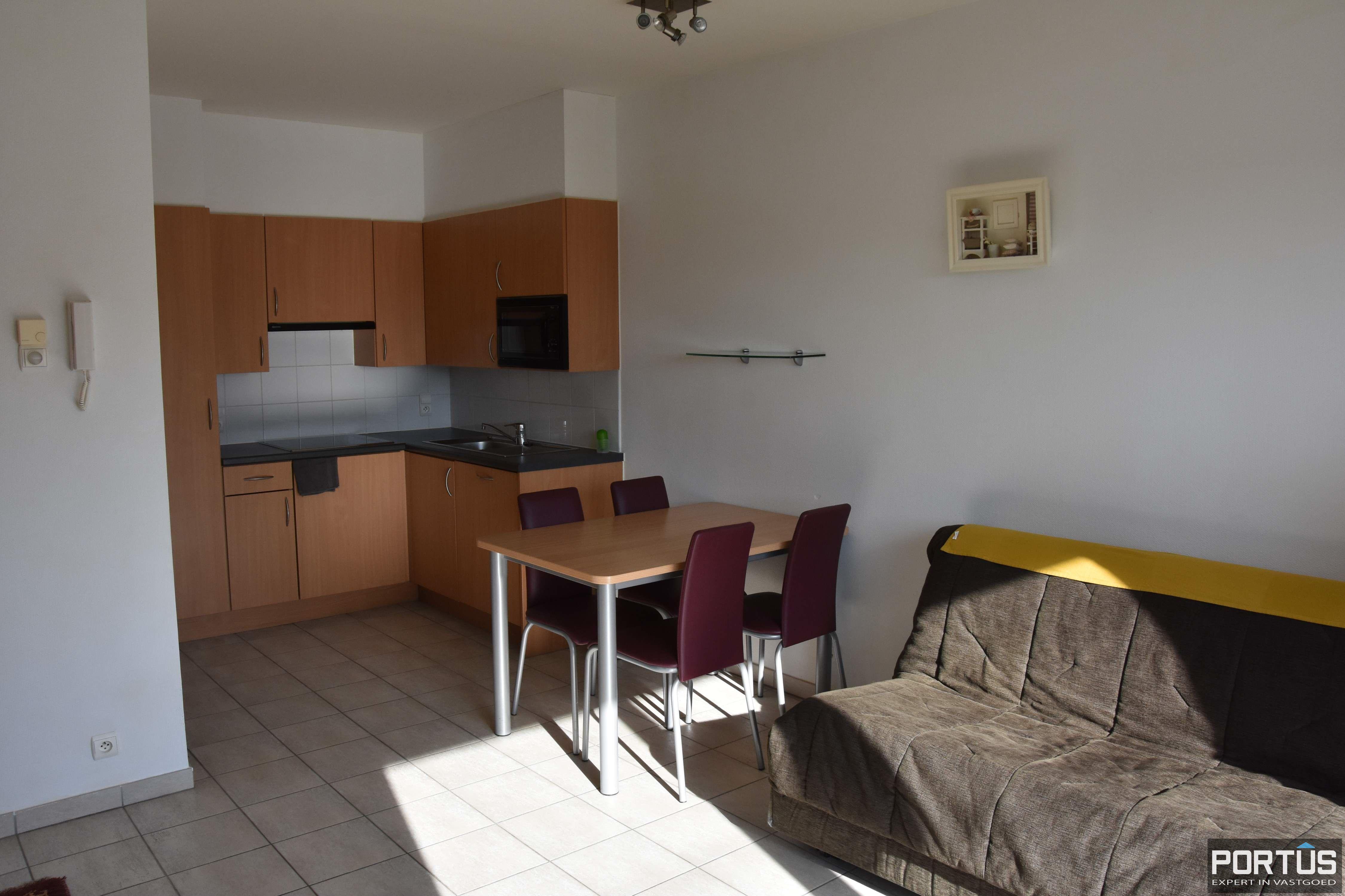 Zeer centraal gelegen appartement te huur met slaaphoek en ruim terras - 9209