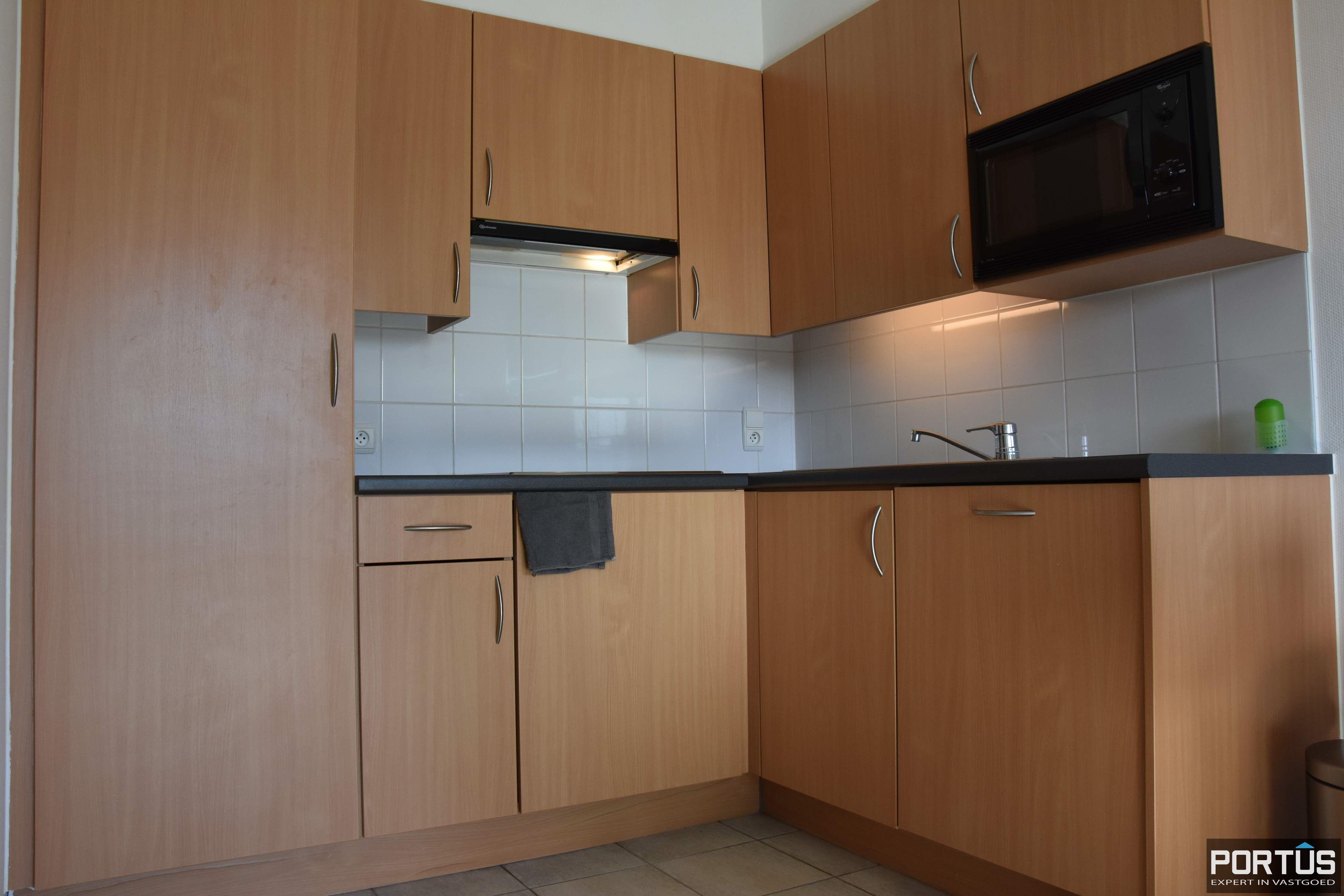 Zeer centraal gelegen appartement te huur met slaaphoek en ruim terras - 9212
