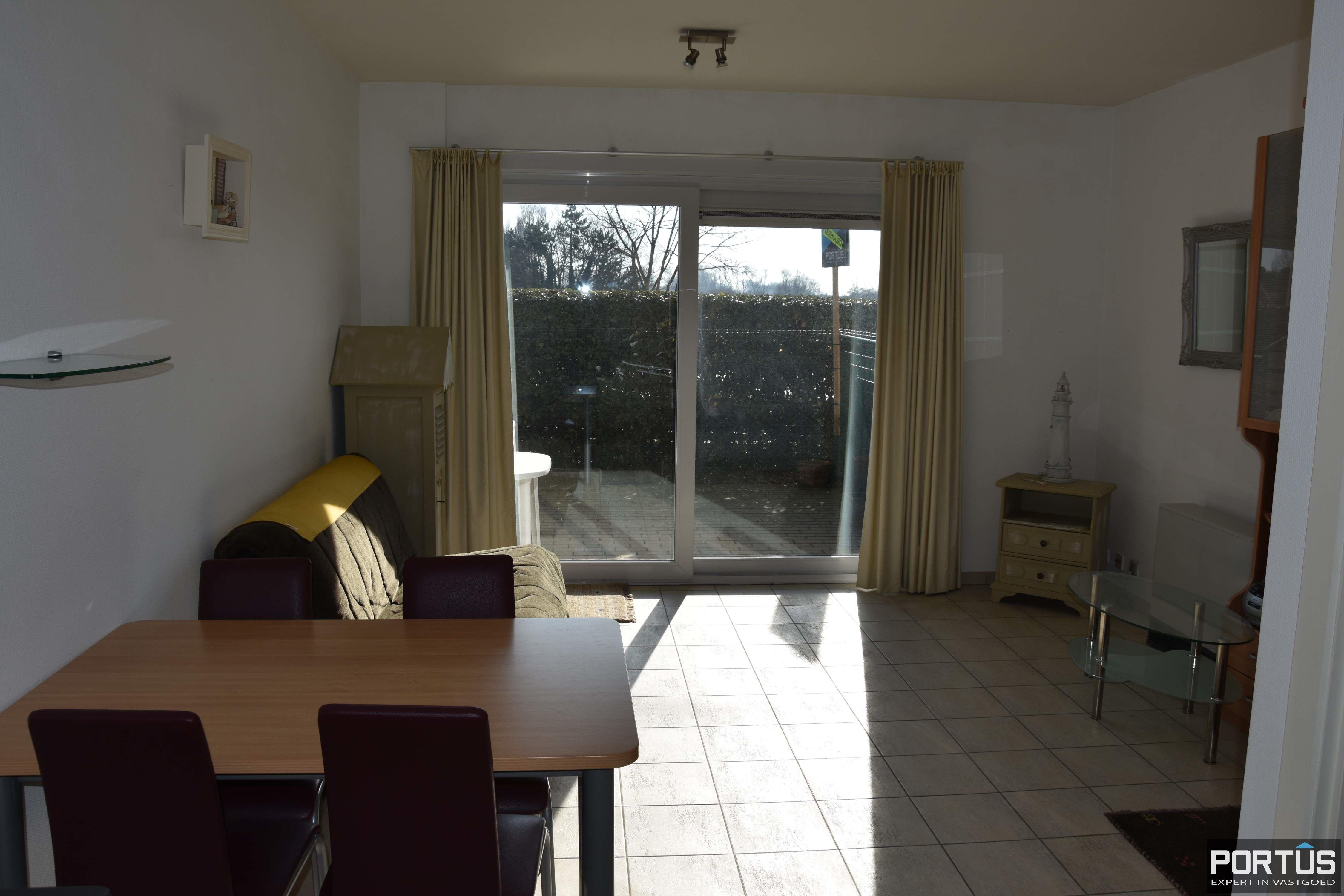 Zeer centraal gelegen appartement te huur met slaaphoek en ruim terras - 9215
