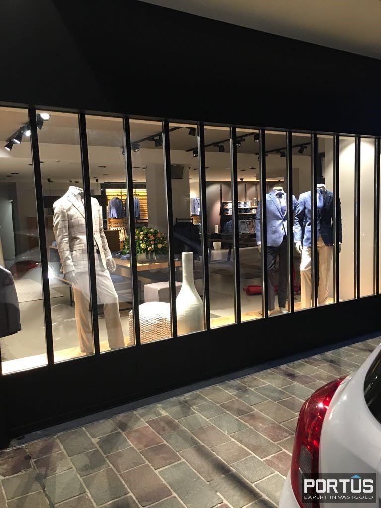 Instapklare ruime handelsruimte met kelder te koop Nieuwpoort - 9233