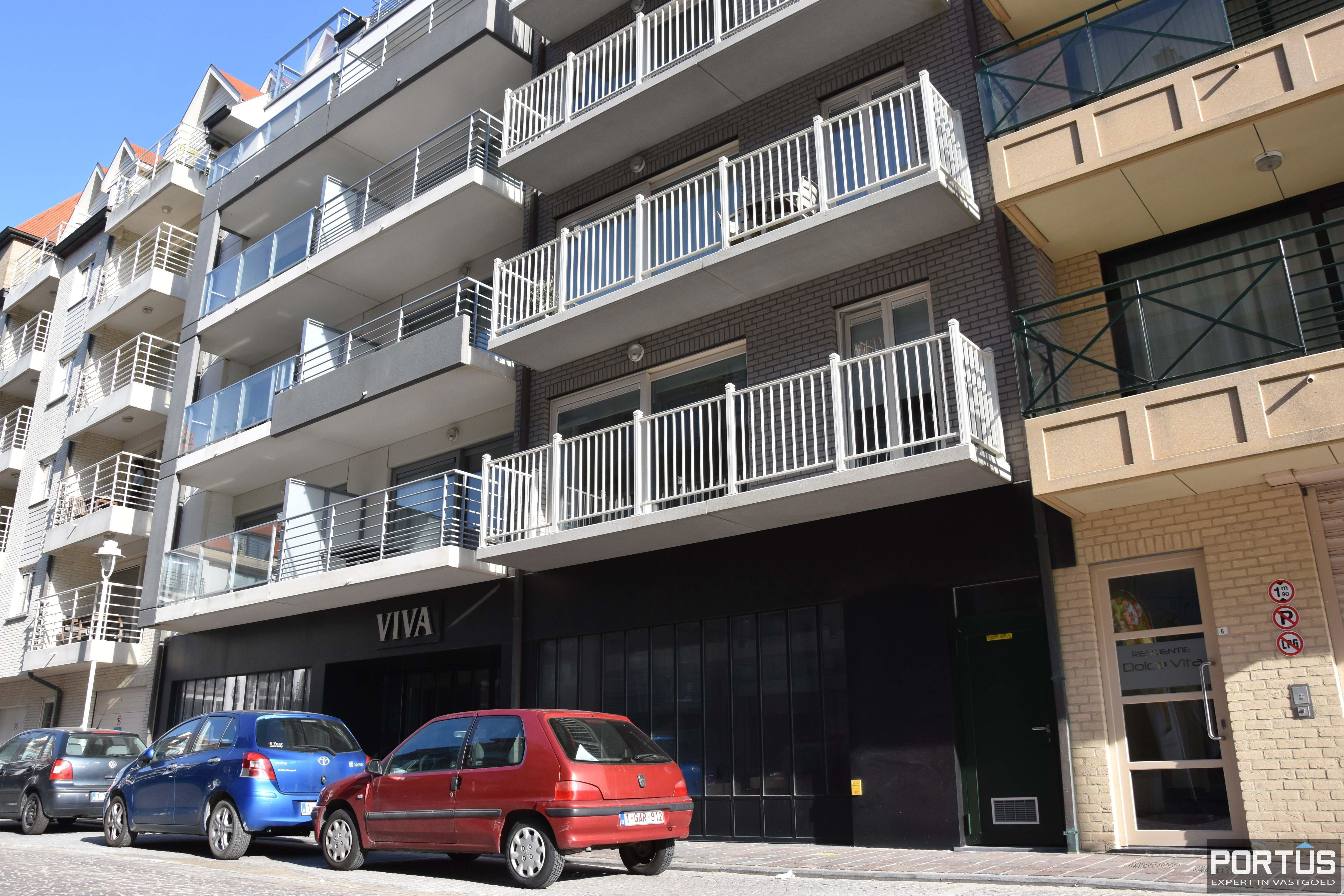 Instapklare ruime handelsruimte met kelder te koop Nieuwpoort - 9240
