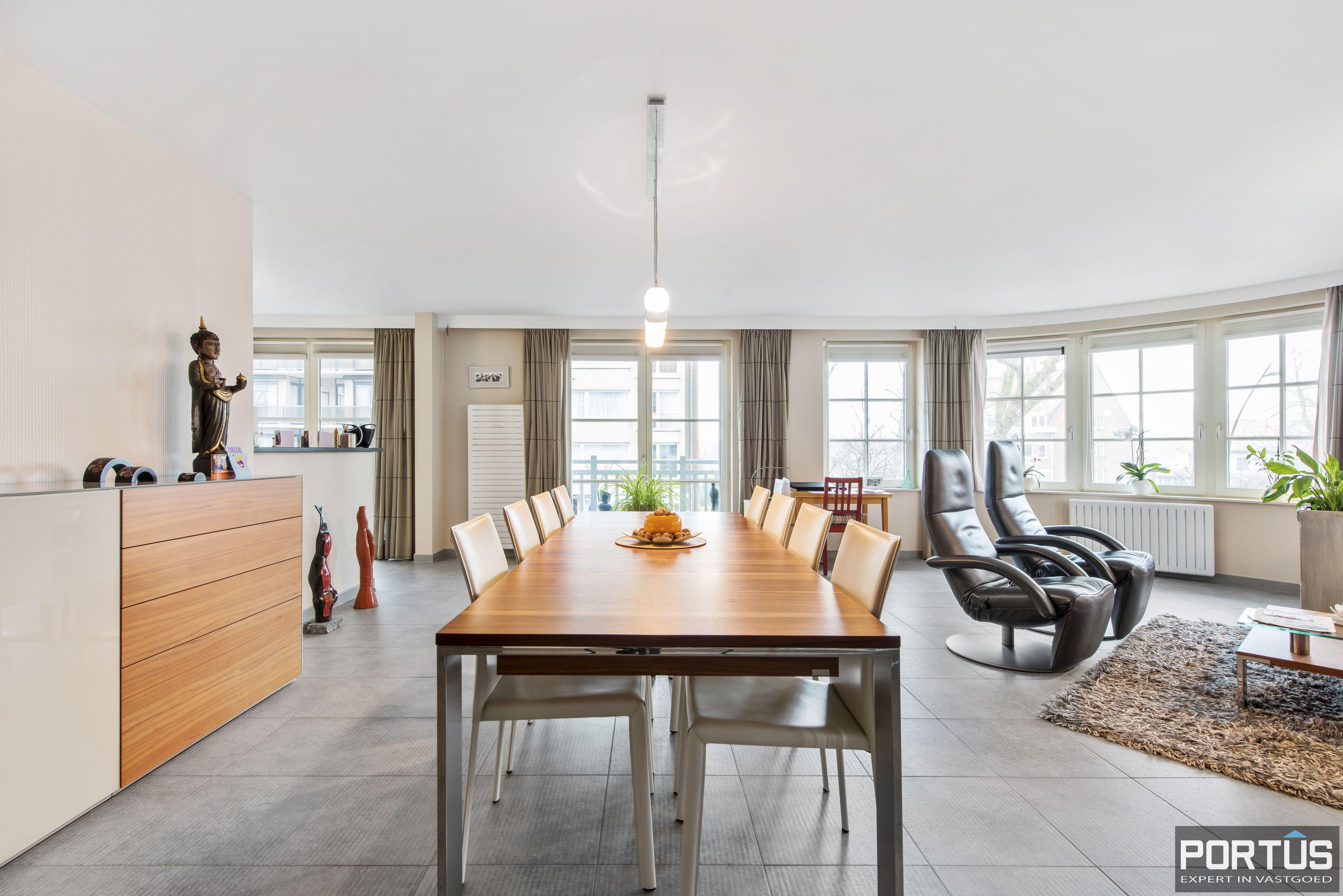 Instapklaar appartement te koop met 2 slaapkamers te Sint-Idesbald - 9420