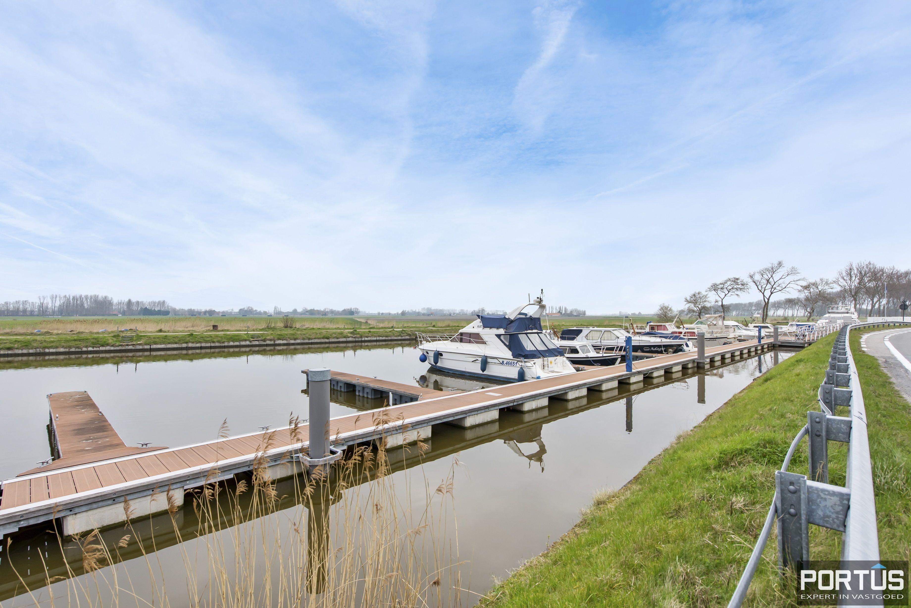 Instapklaar zongericht duplex-appartement te koop te Nieuwpoort - 9484
