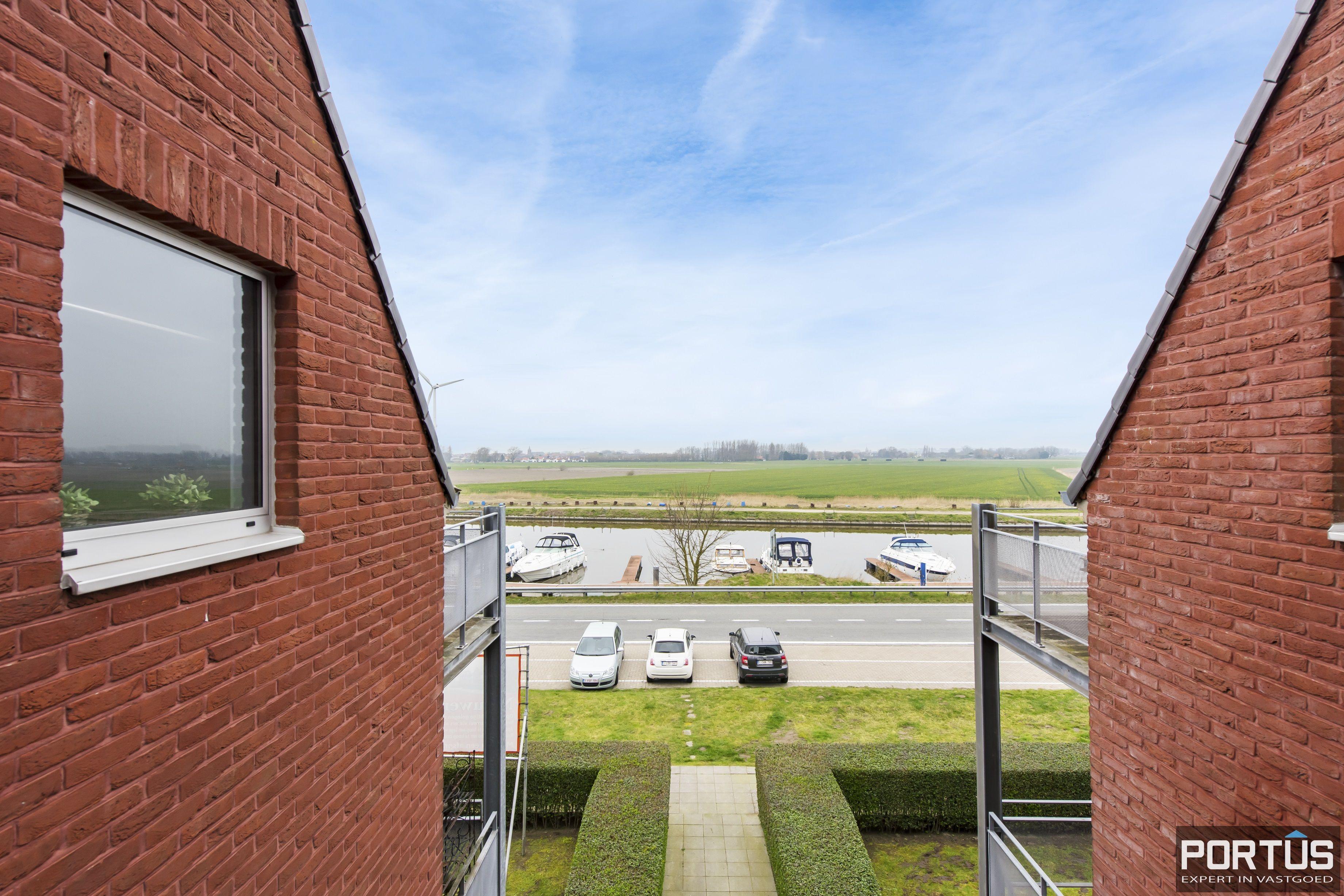 Instapklaar zongericht duplex-appartement te koop te Nieuwpoort - 9485