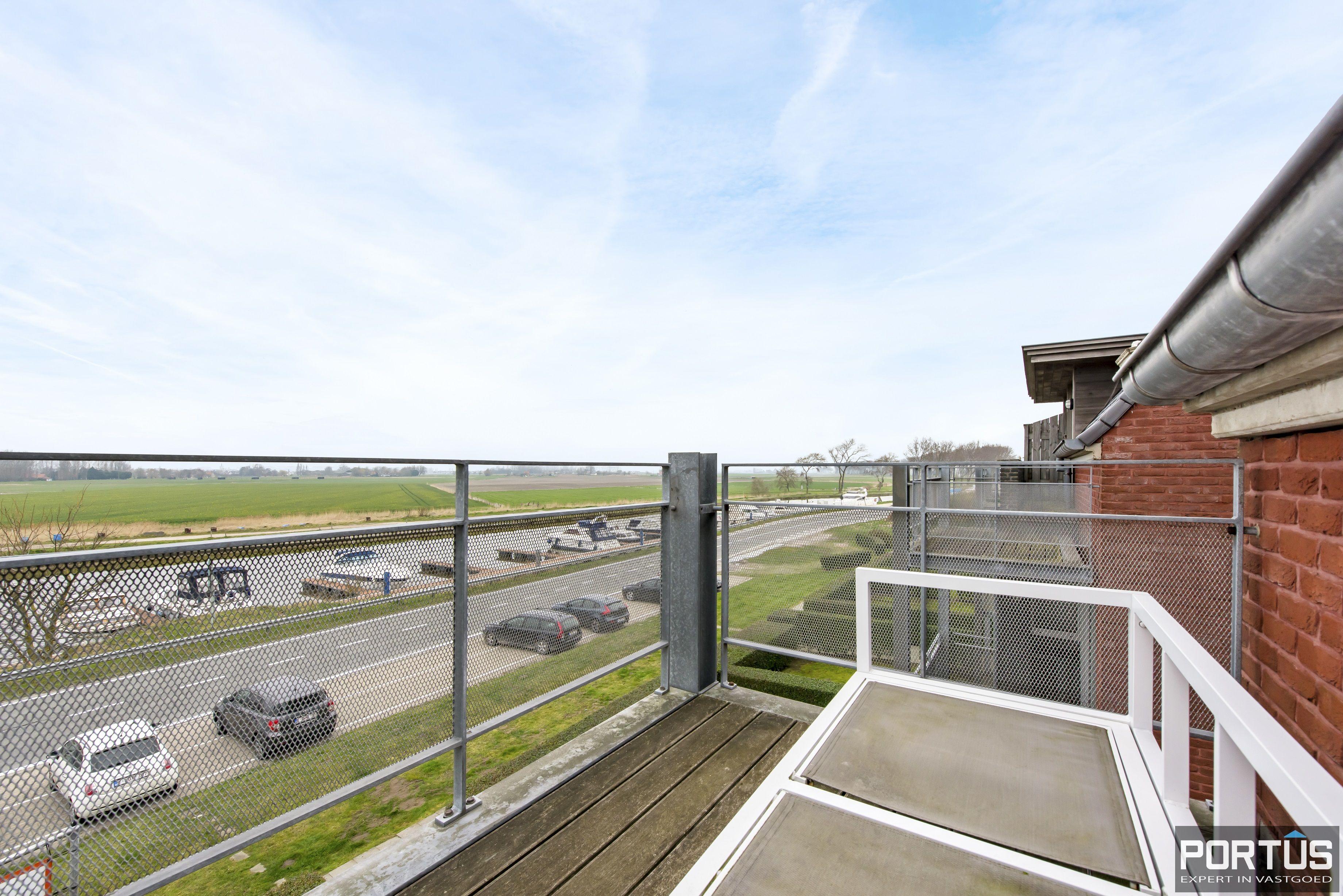 Instapklaar zongericht duplex-appartement te koop te Nieuwpoort - 9492