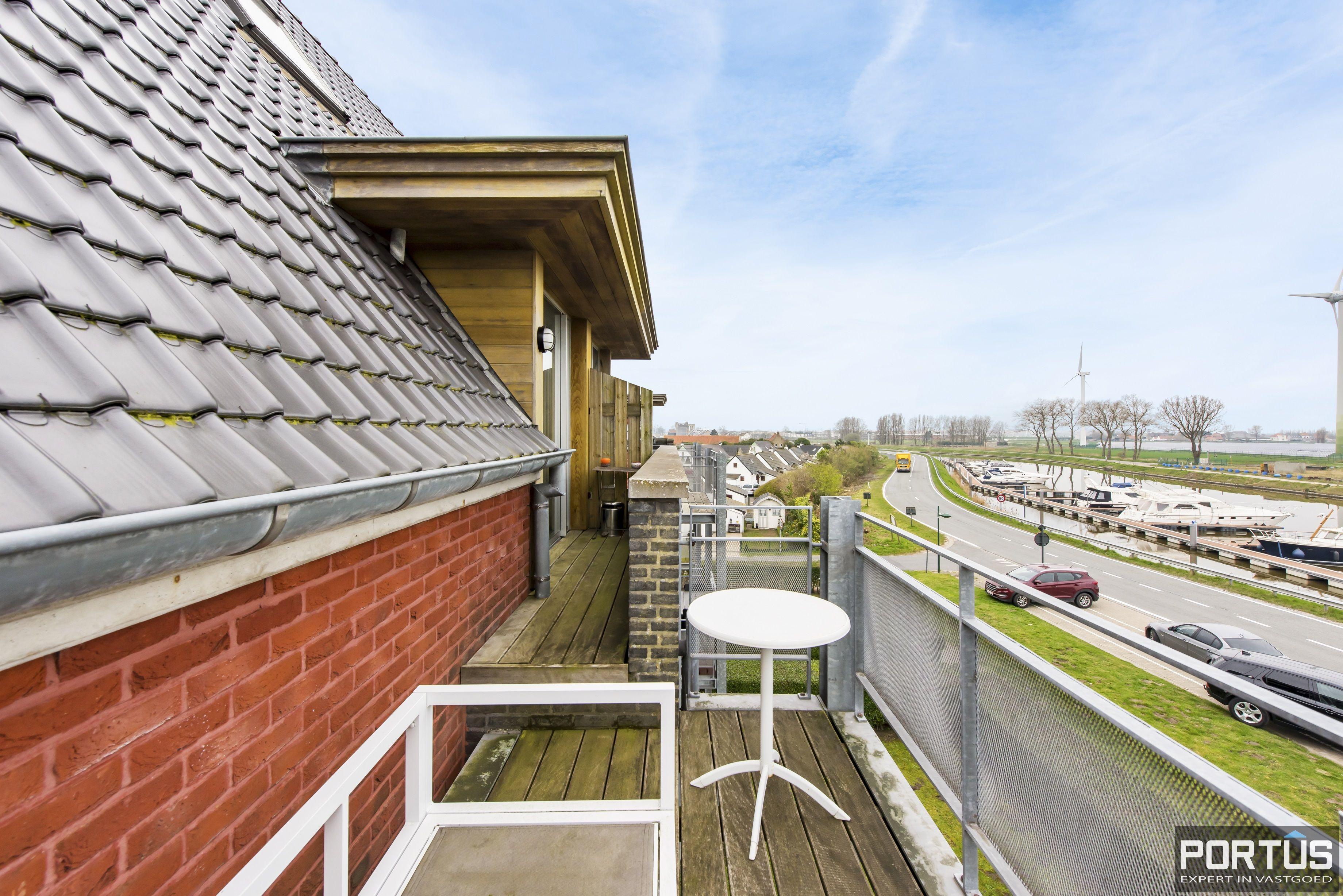 Instapklaar zongericht duplex-appartement te koop te Nieuwpoort - 9493