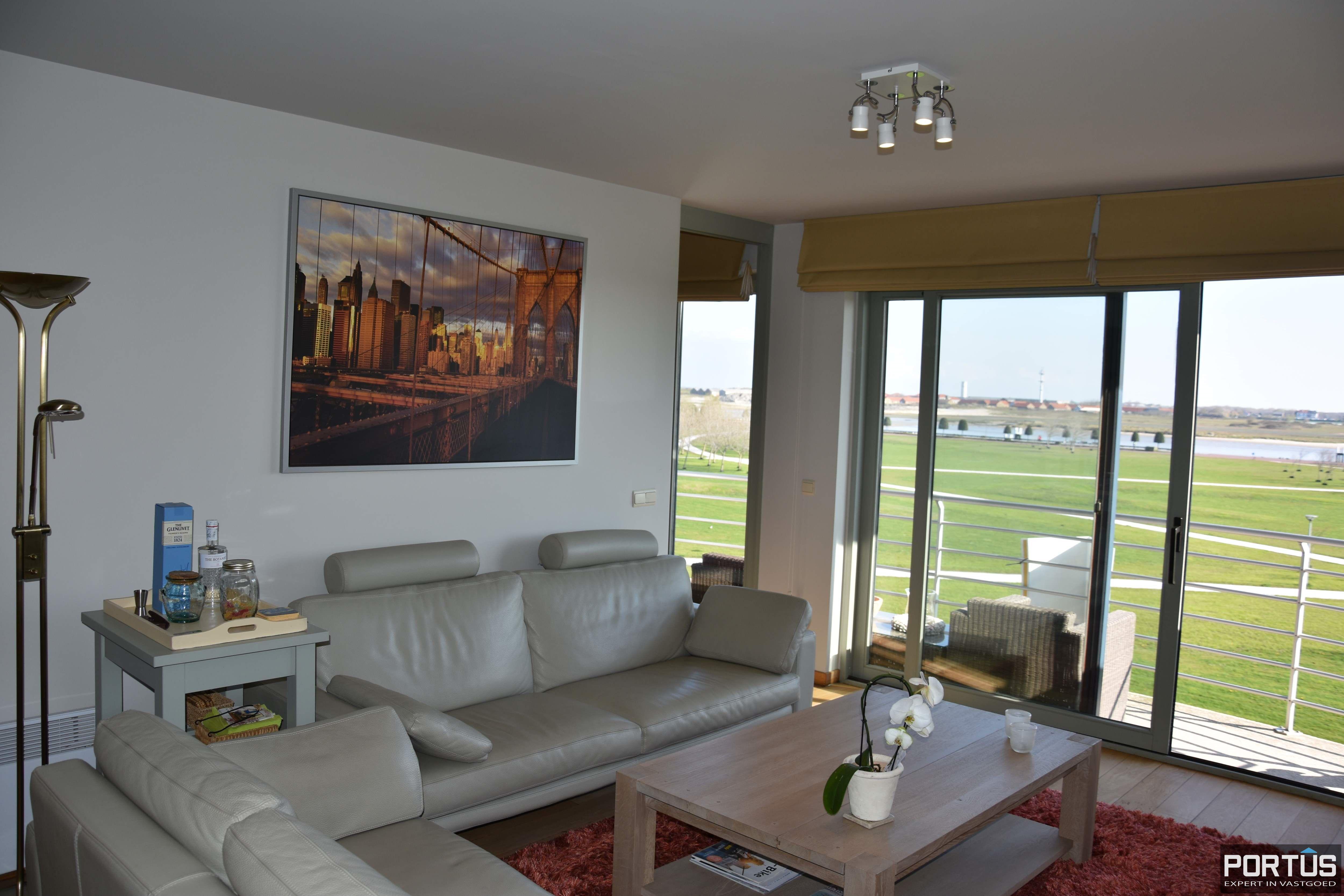 Appartement met slaapkamer, slaaphoek en parking te huur Nieuwpoort - 9530