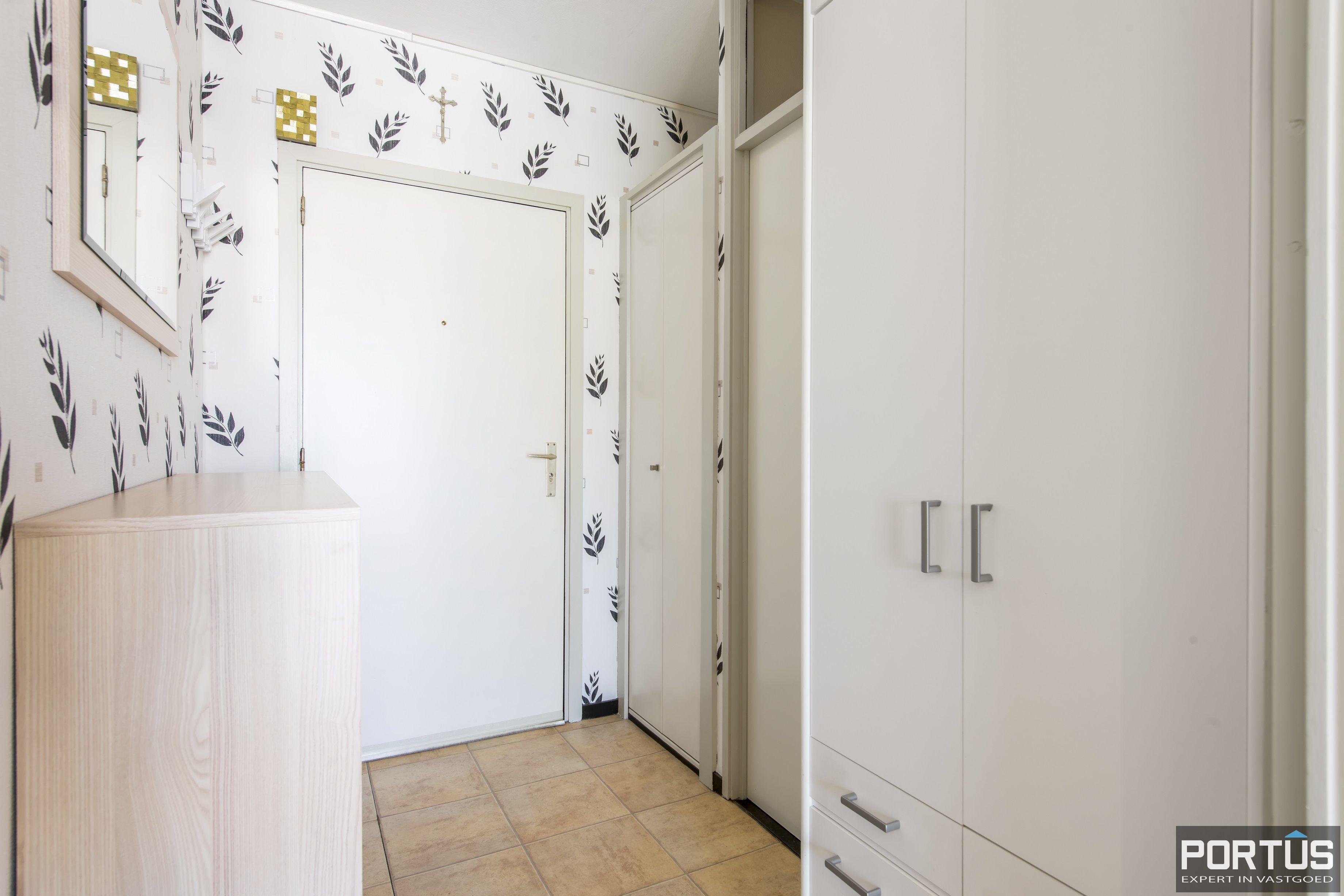 Instapklaar 1 slaapkamer appartement met ruim terras met zijdelings zeezicht te koop - 9543