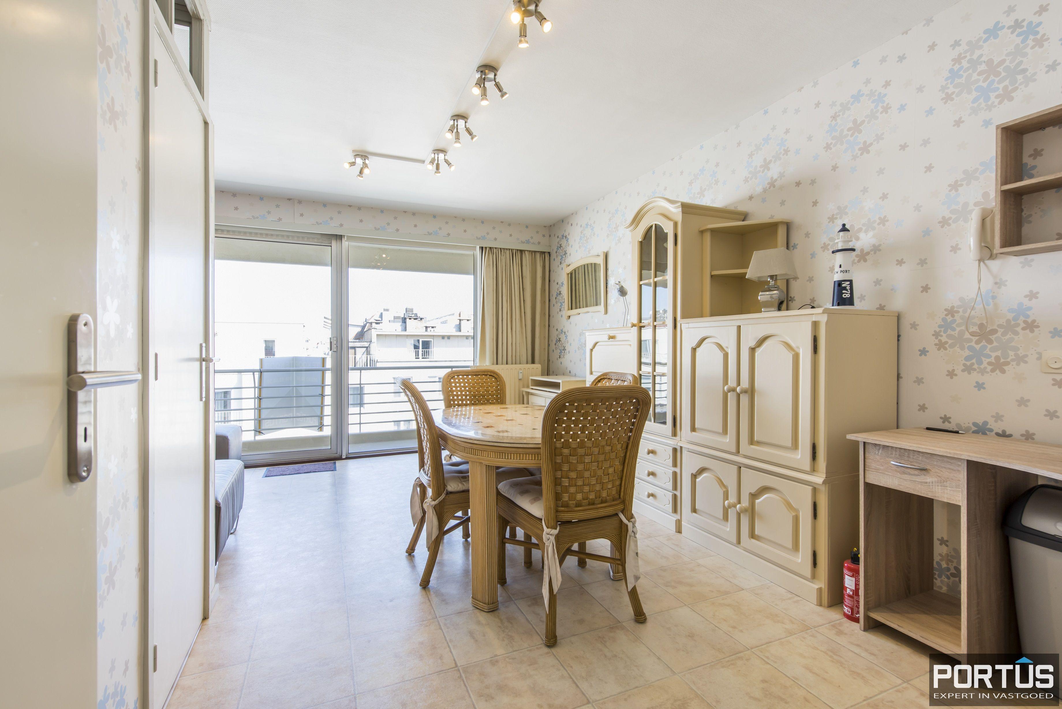 Instapklaar 1 slaapkamer appartement met ruim terras met zijdelings zeezicht te koop - 9547