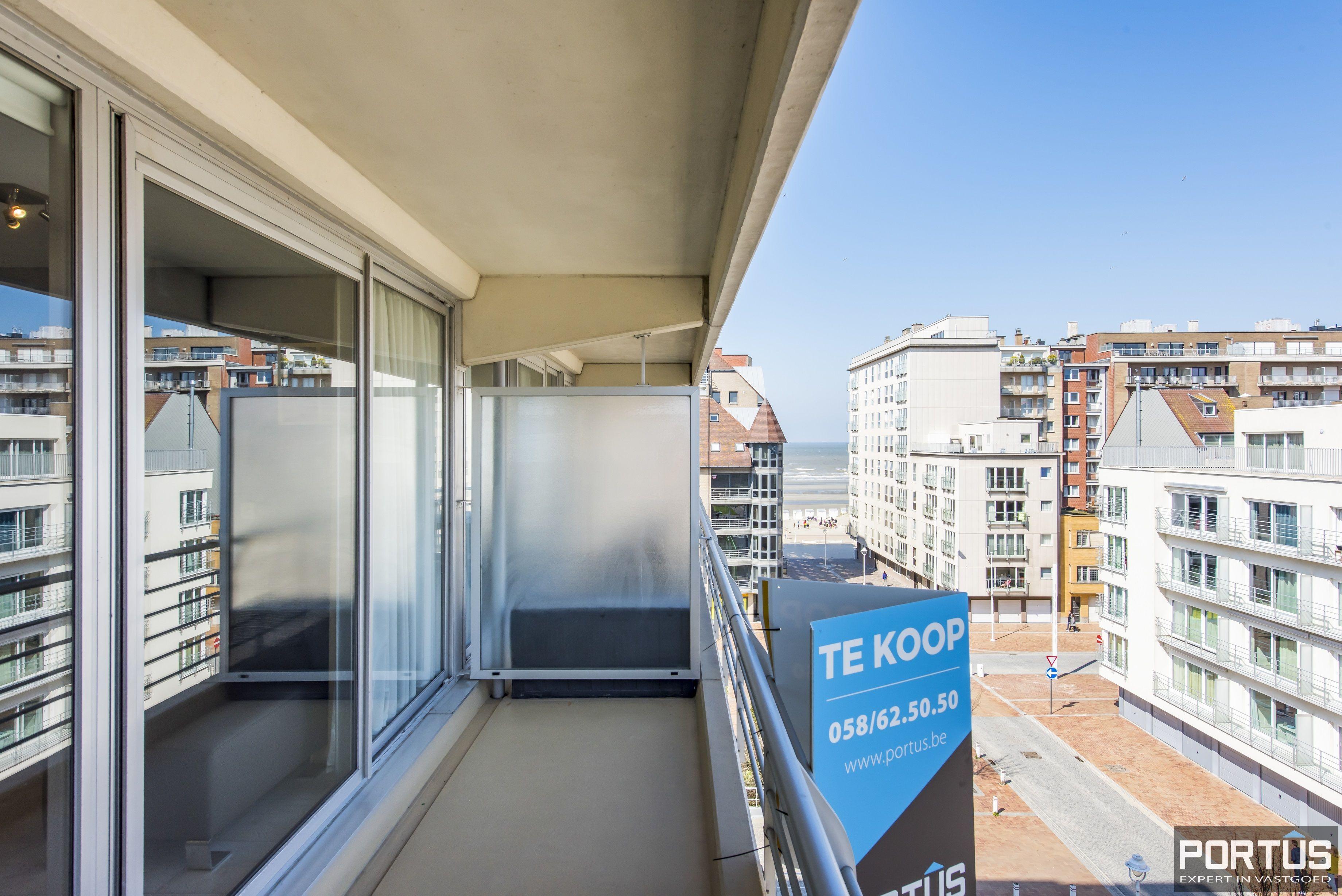 Instapklaar 1 slaapkamer appartement met ruim terras met zijdelings zeezicht te koop