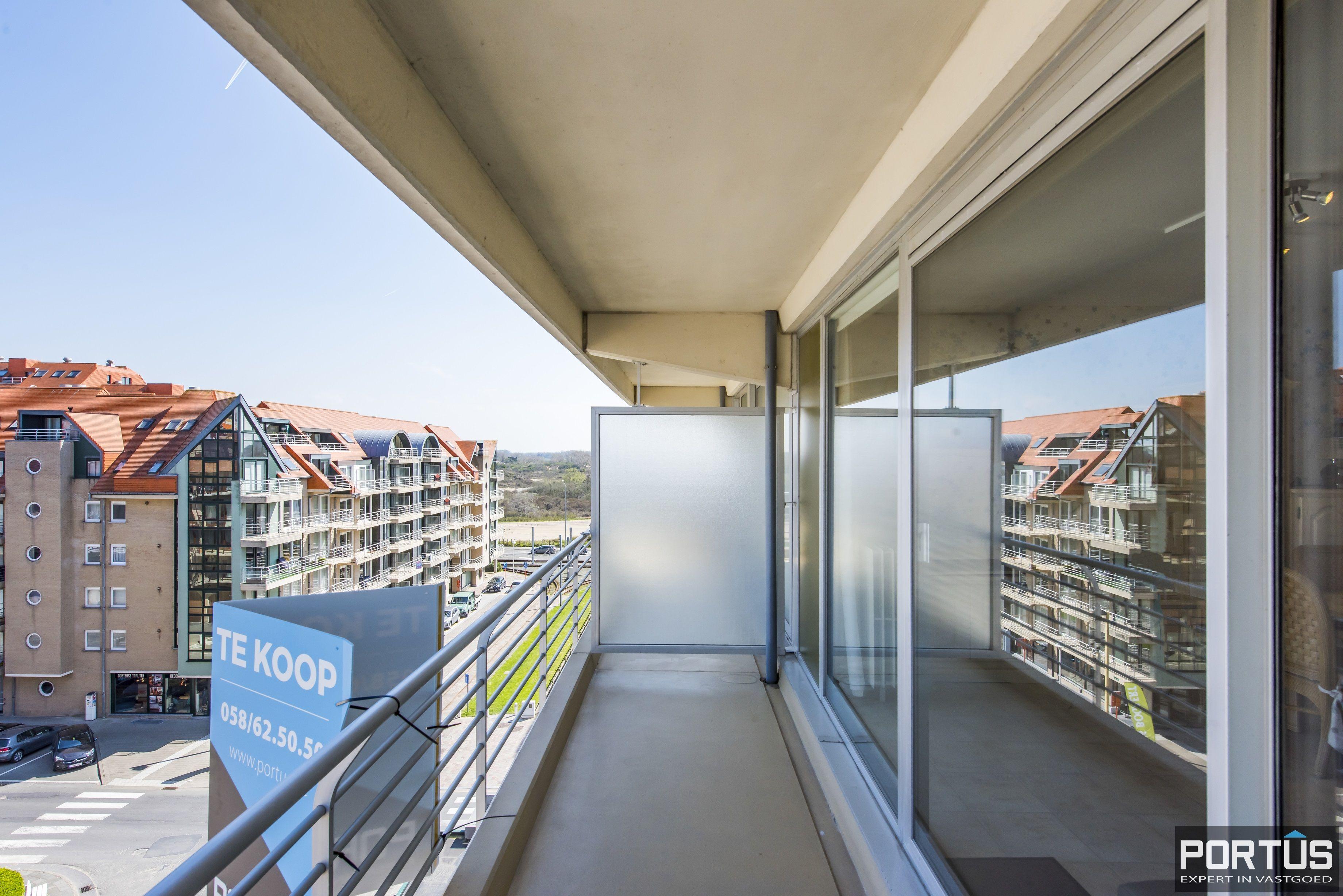 Instapklaar 1 slaapkamer appartement met ruim terras met zijdelings zeezicht te koop - 9550