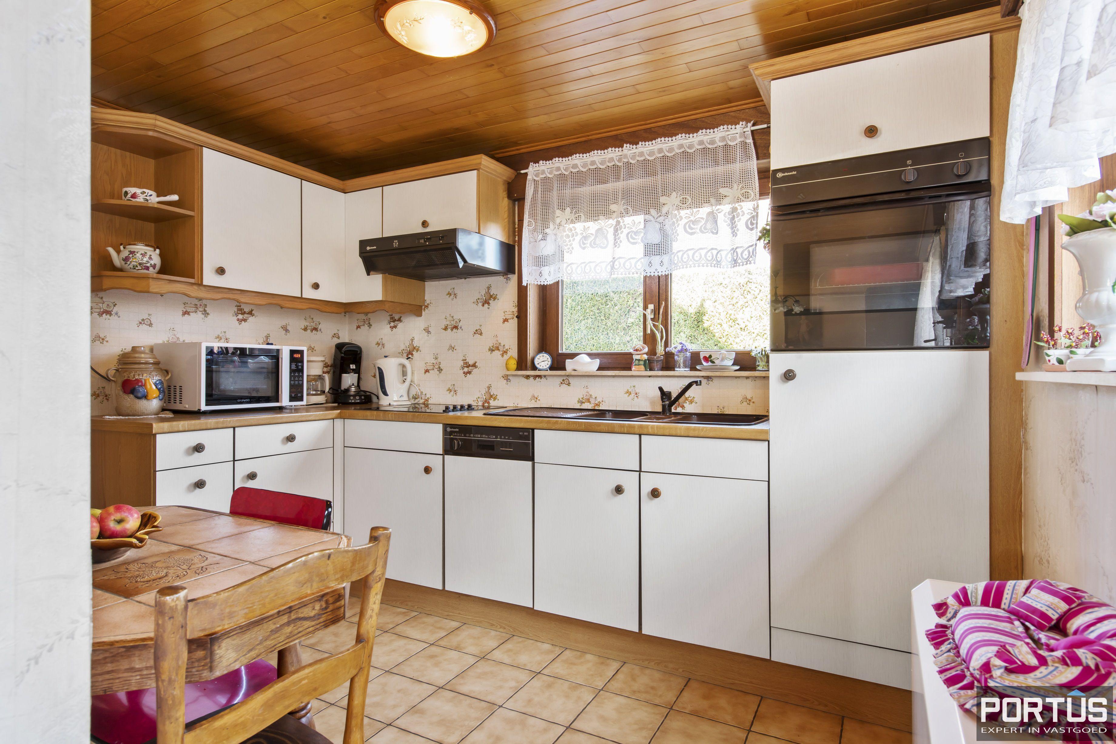 Instapklare ruime vakantiewoning met tuin te koop te Westende - 9585