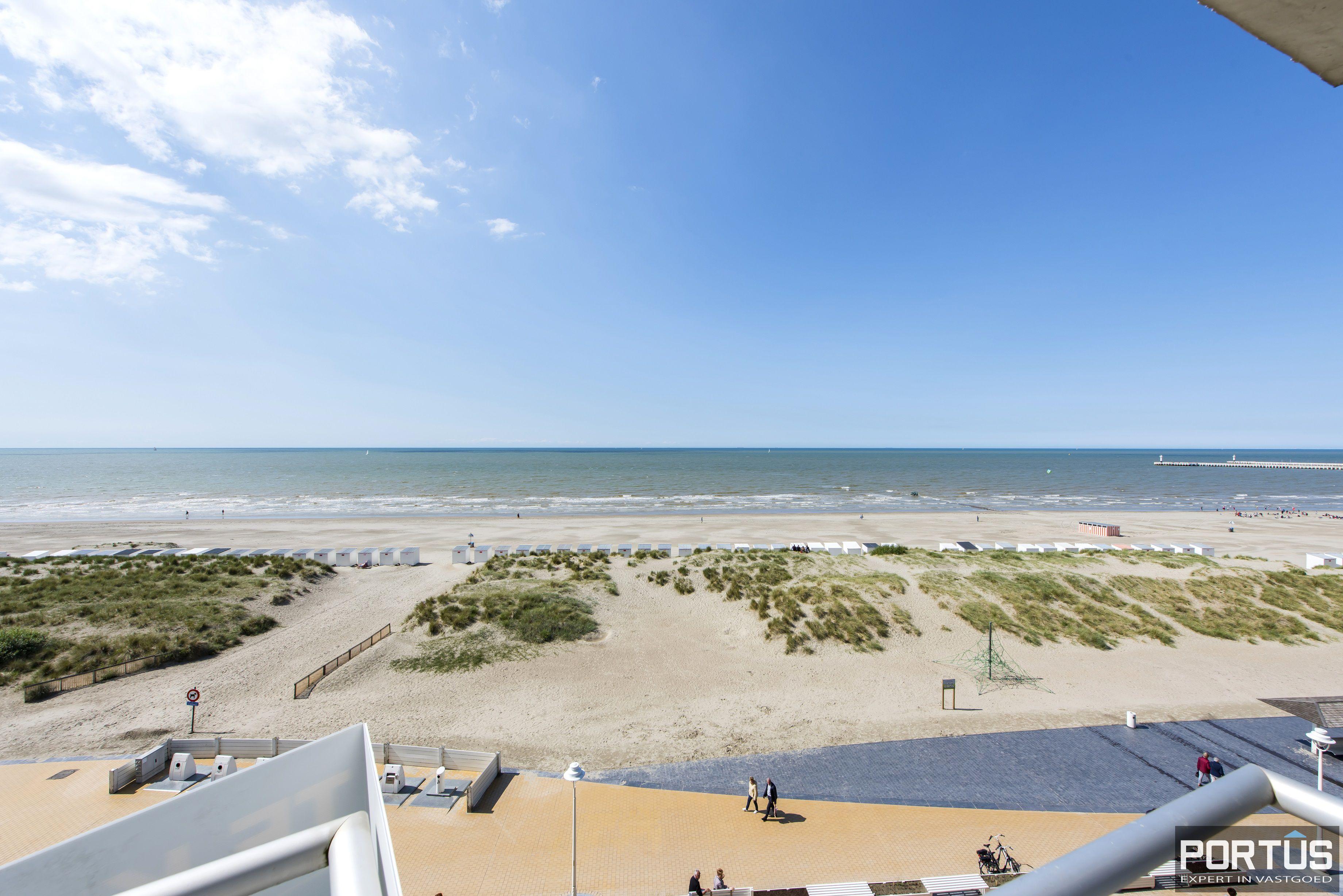 Appartement met 2 slaapkamers en frontaal zeezicht te koop Nieuwpoort