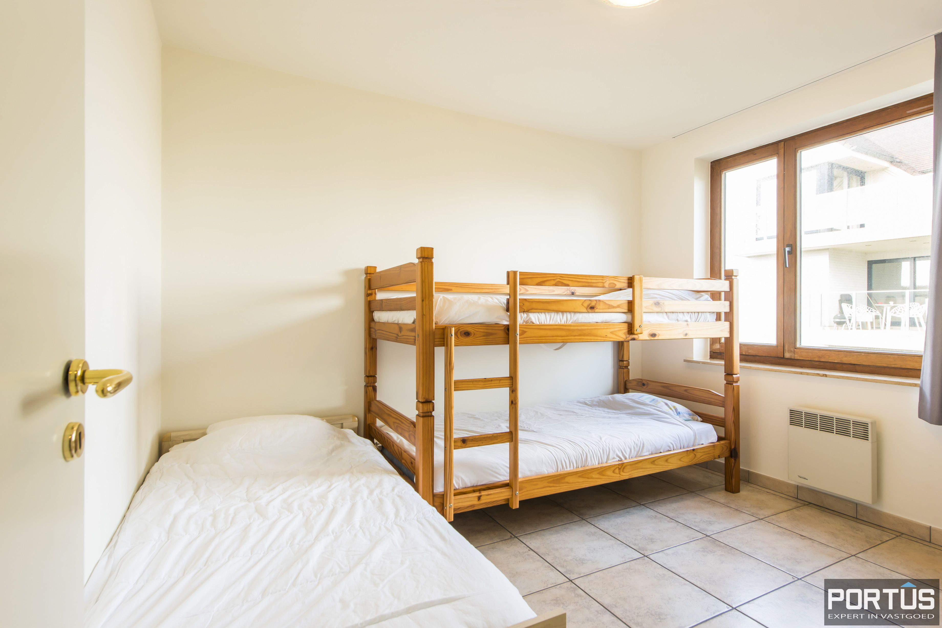 Zongericht en rustig gelegen appartement met 3 slaapkamers te koop te Oostduinkerke - 10067