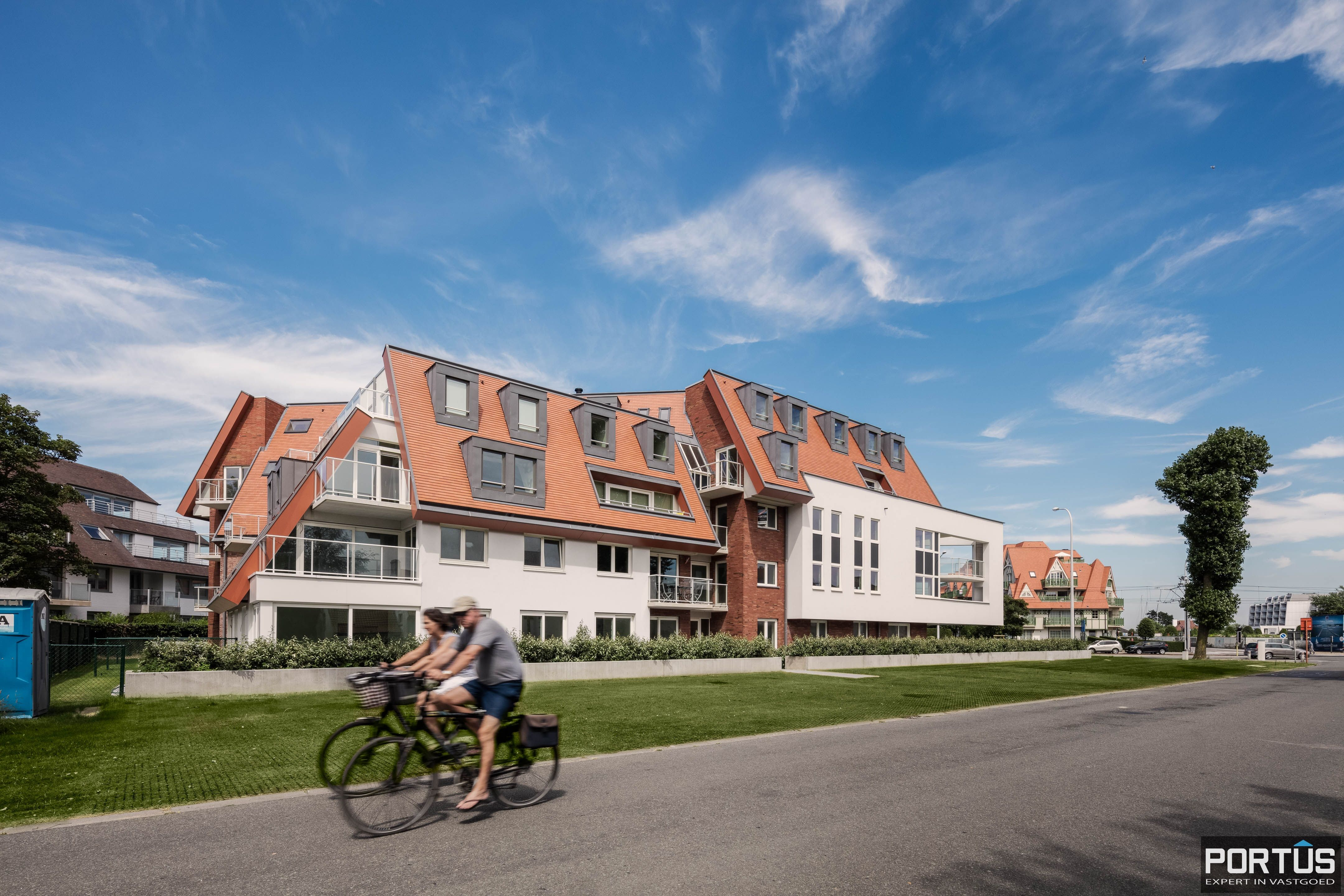 Instapklaar recent appartement te koop te Nieuwpoort - 9830