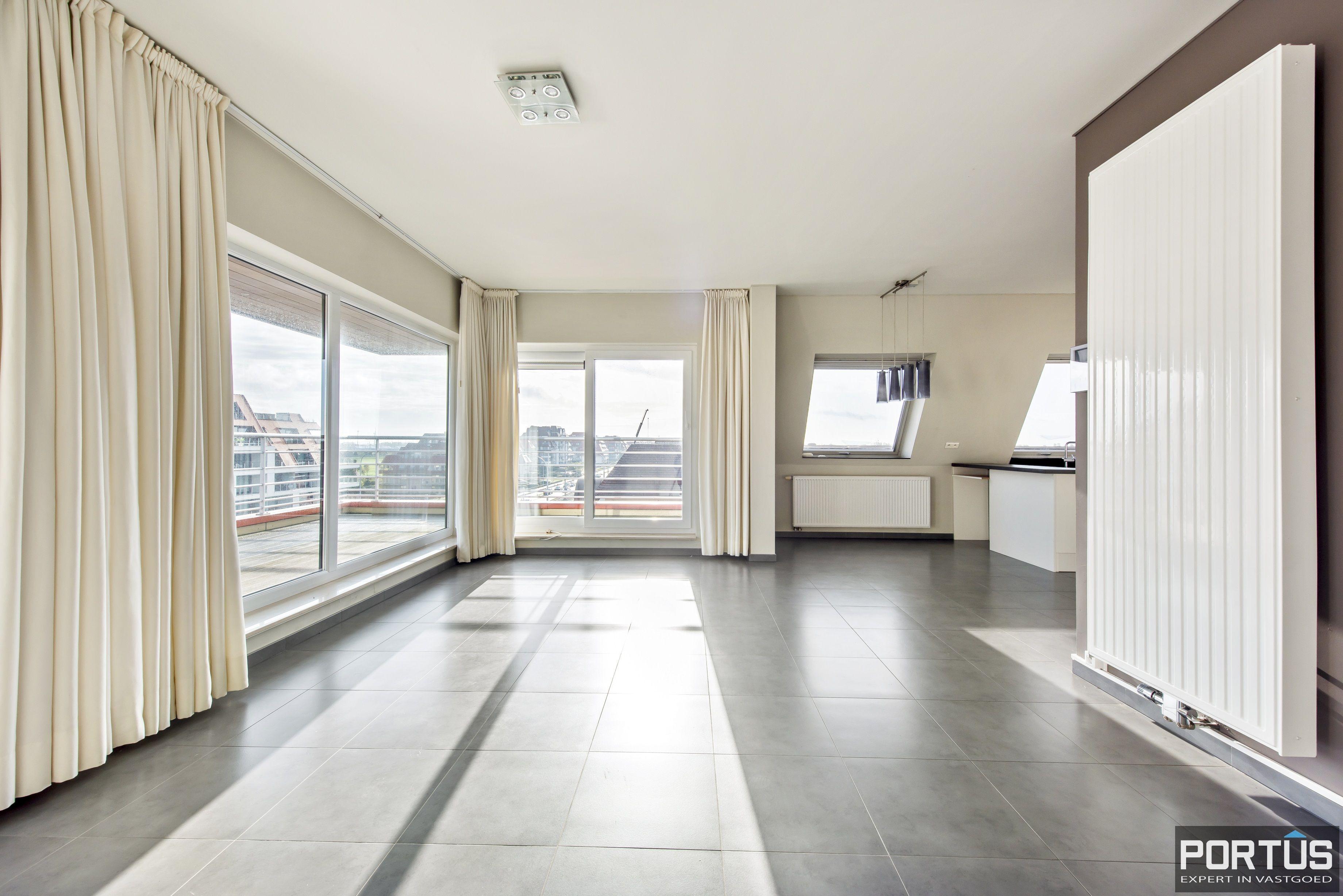 Instapklaar zongericht appartement met 2 slaapkamers te koop in Nieuwpoort - 10017