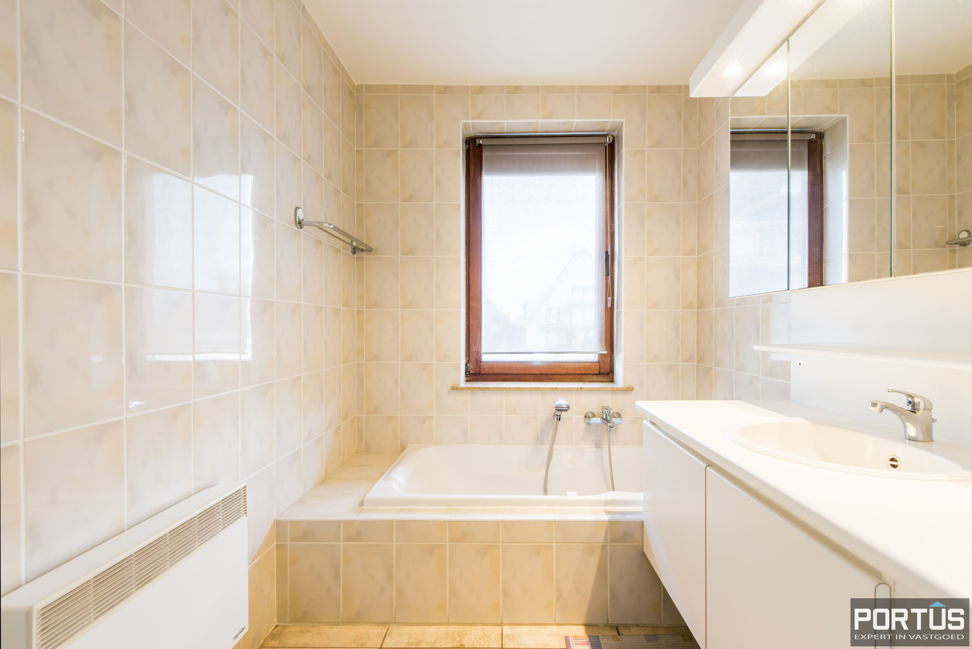 Zongericht en rustig gelegen appartement met 3 slaapkamers te koop te Oostduinkerke - 10691