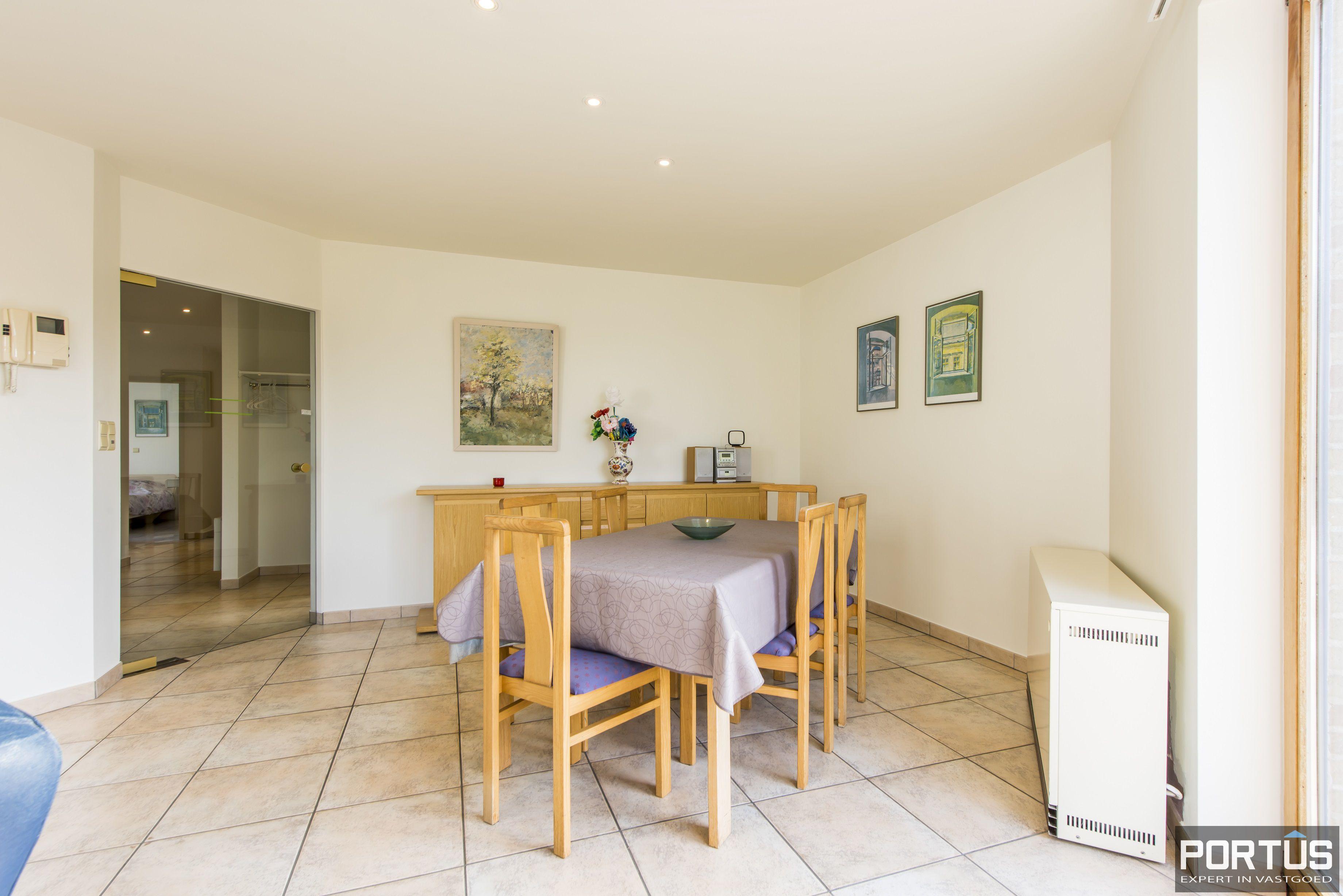 Zongericht en rustig gelegen appartement met 3 slaapkamers te koop te Oostduinkerke - 10702