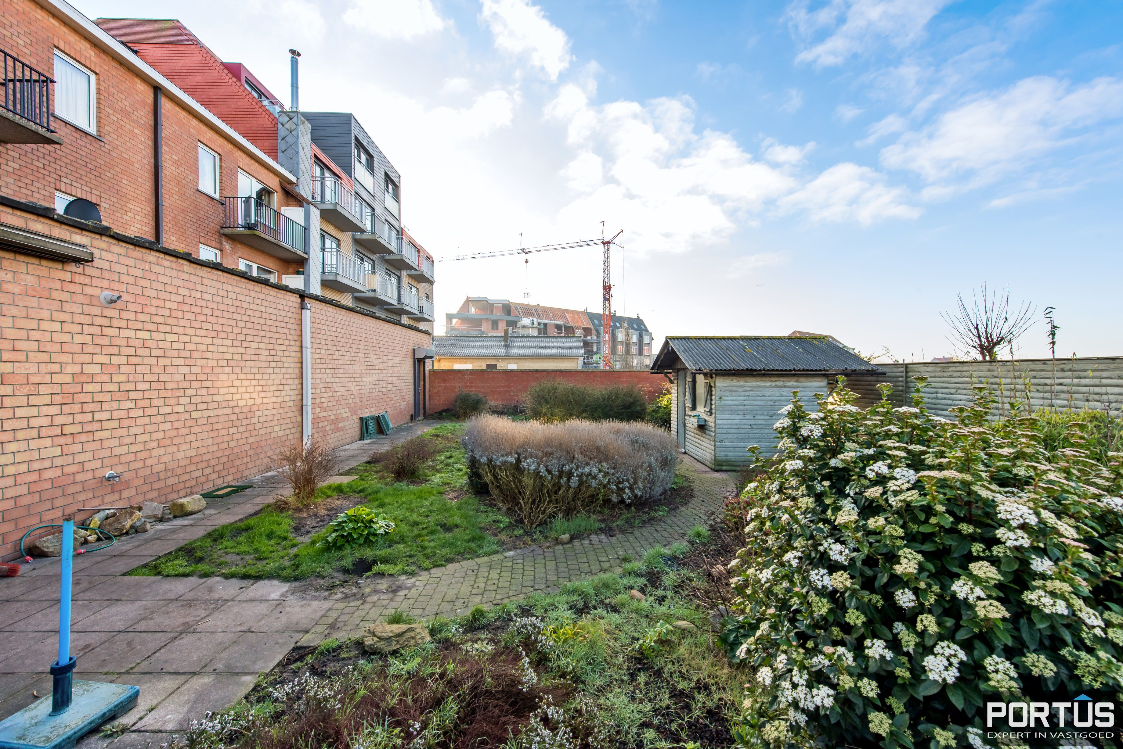 Woning met 4 slaapkamers en grote tuin te koop - 10802