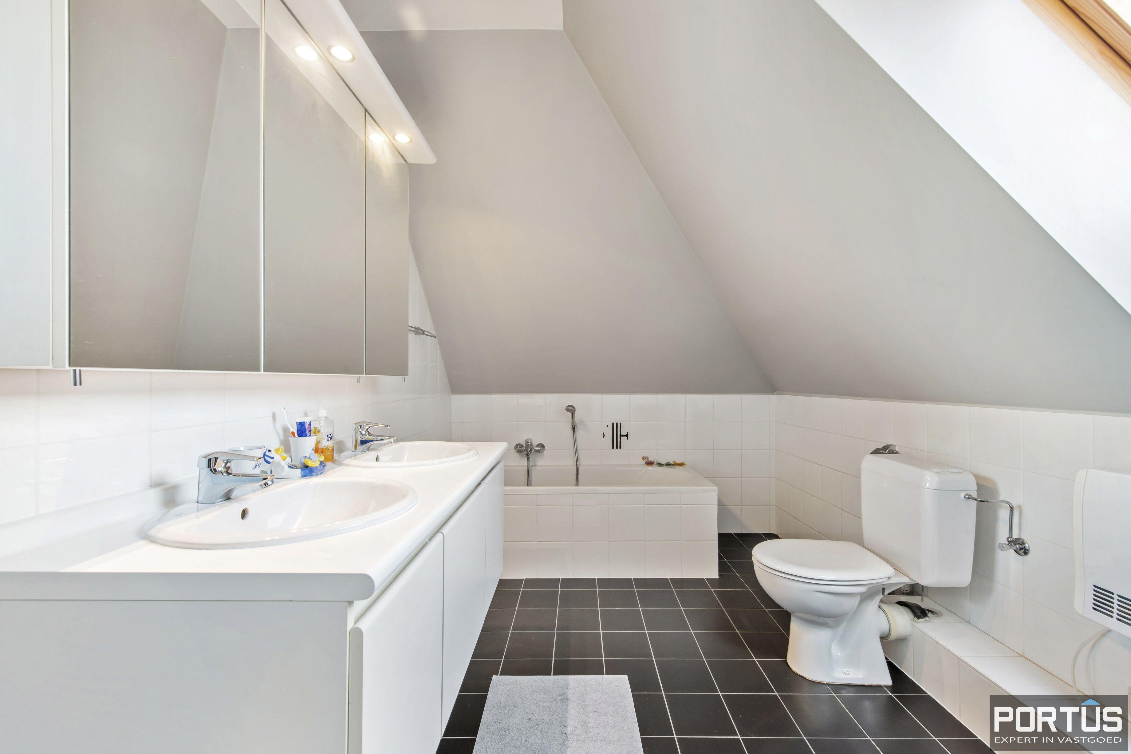 Instapklare duplex met 2 slaapkamers te koop te Nieuwpoort - 10860