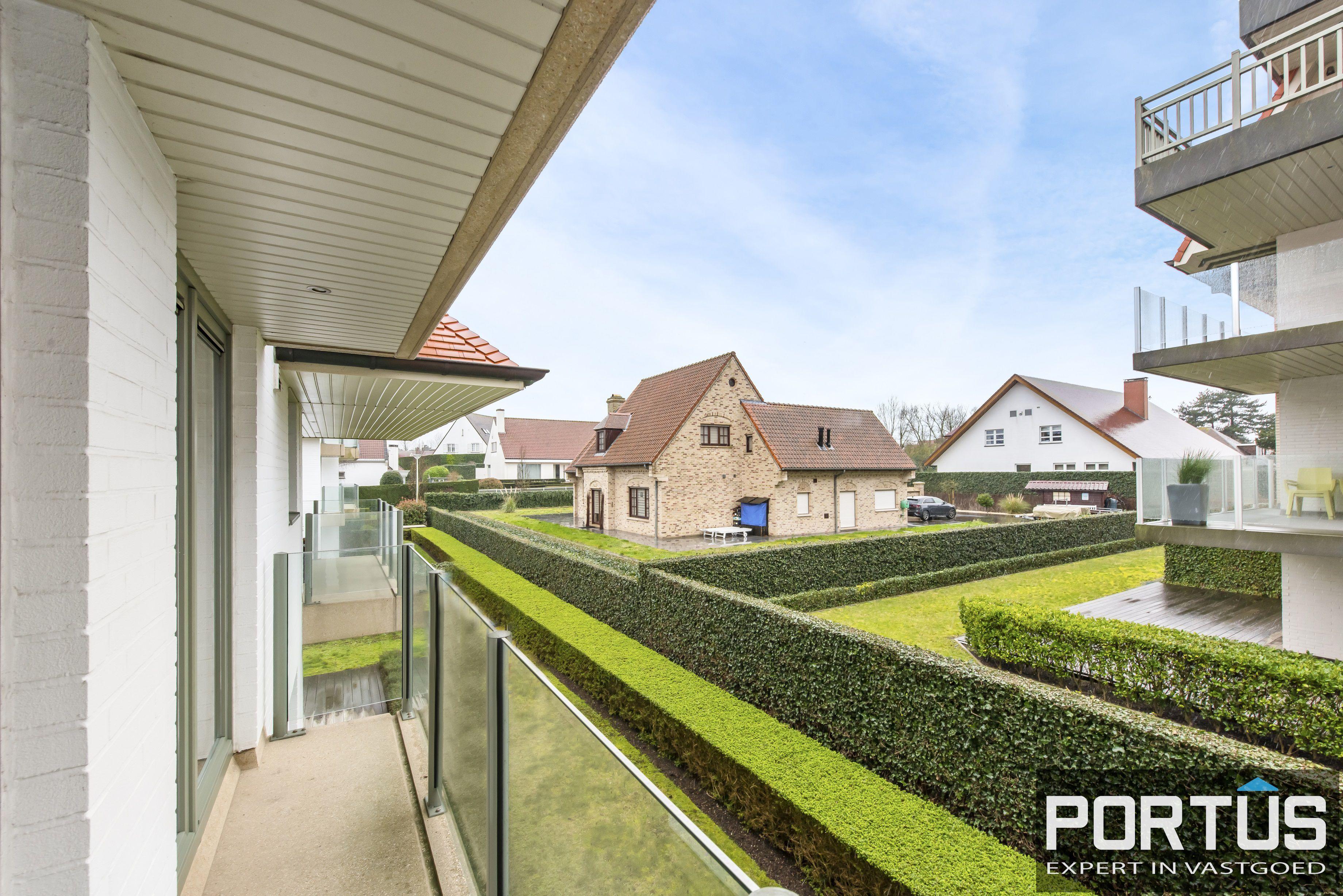Zongerichte appartement met 2 slaapkamers te koop te Nieuwpoort - 10881