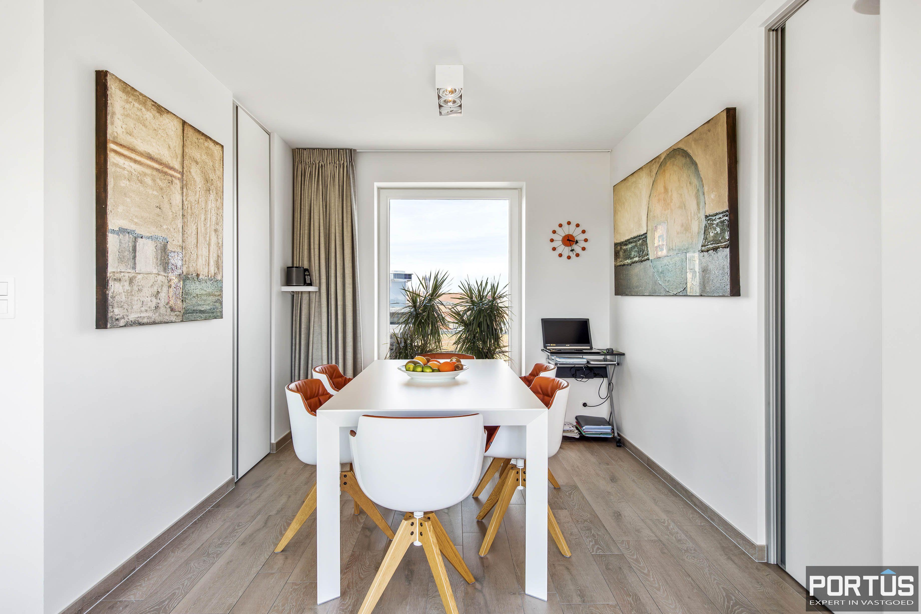 Exclusieve penthouse met 3 slaapkamers te koop te Nieuwpoort - 10943