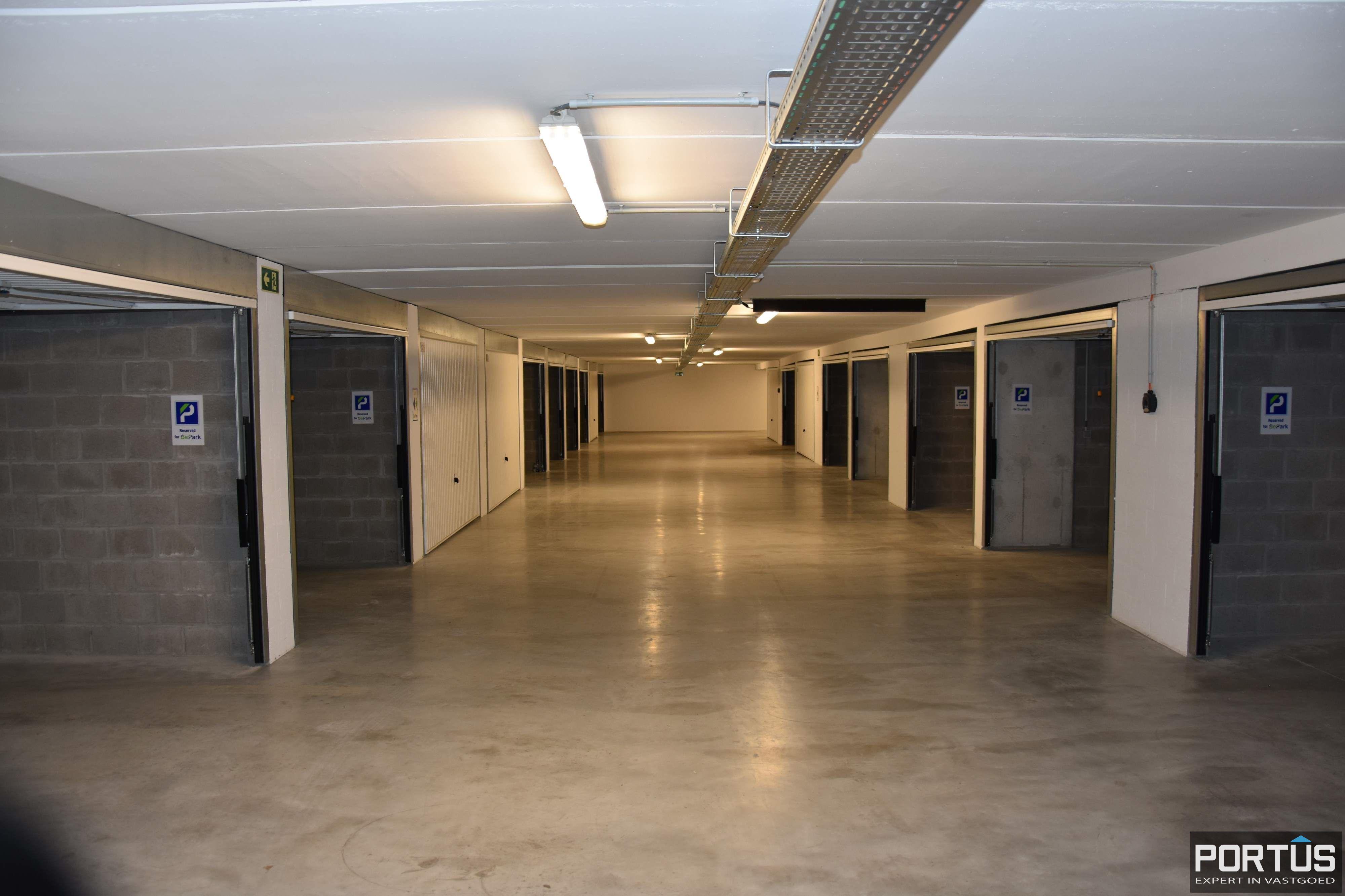Gesloten ruime garagebox te huur - 11097