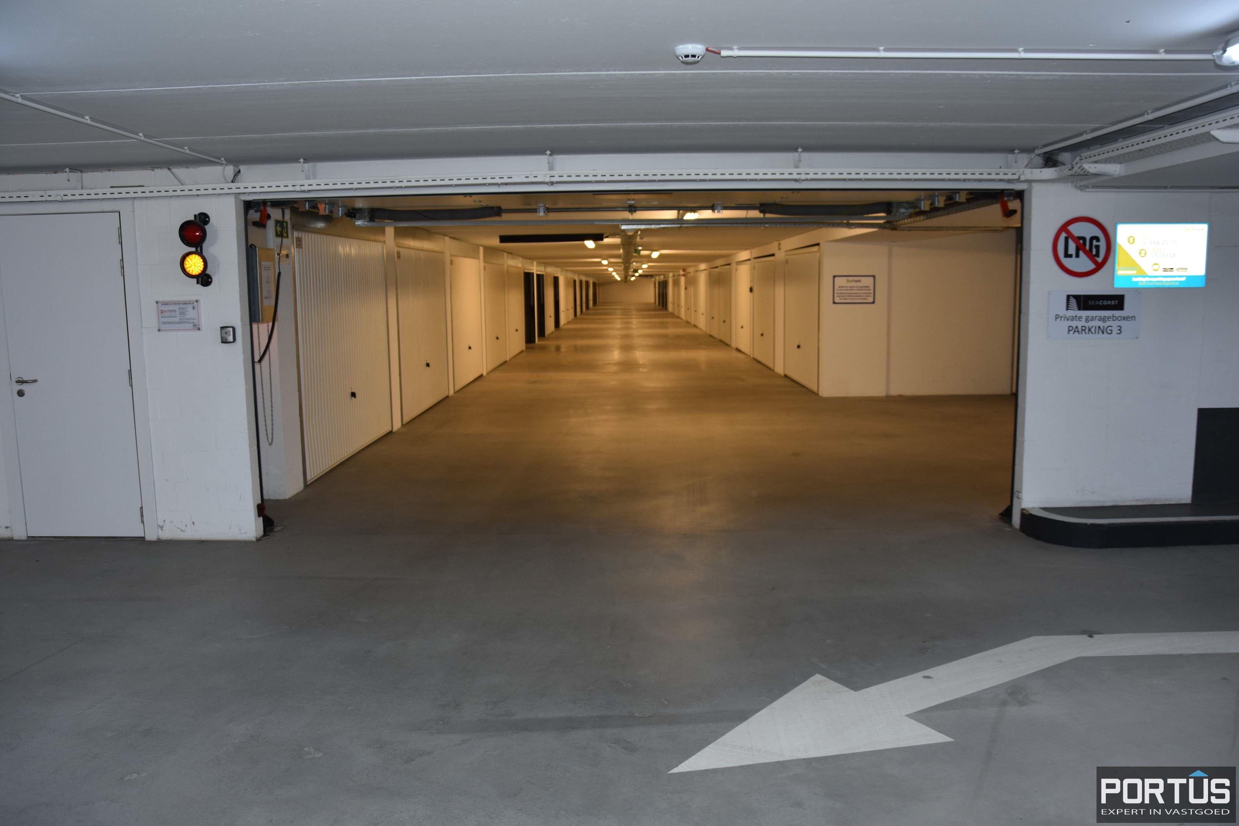 Gesloten ruime garagebox te huur - 11098