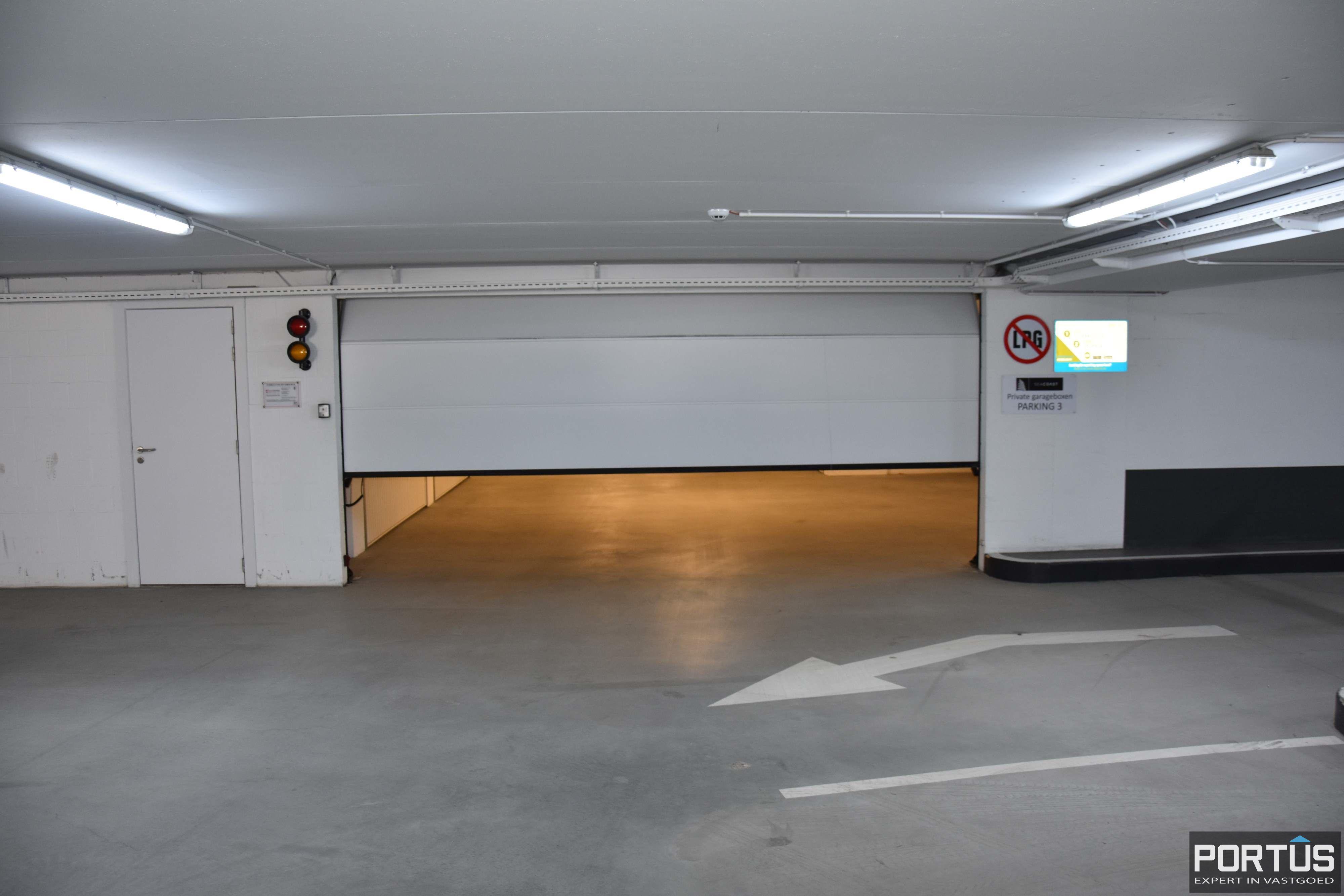 Gesloten ruime garagebox te huur - 11099