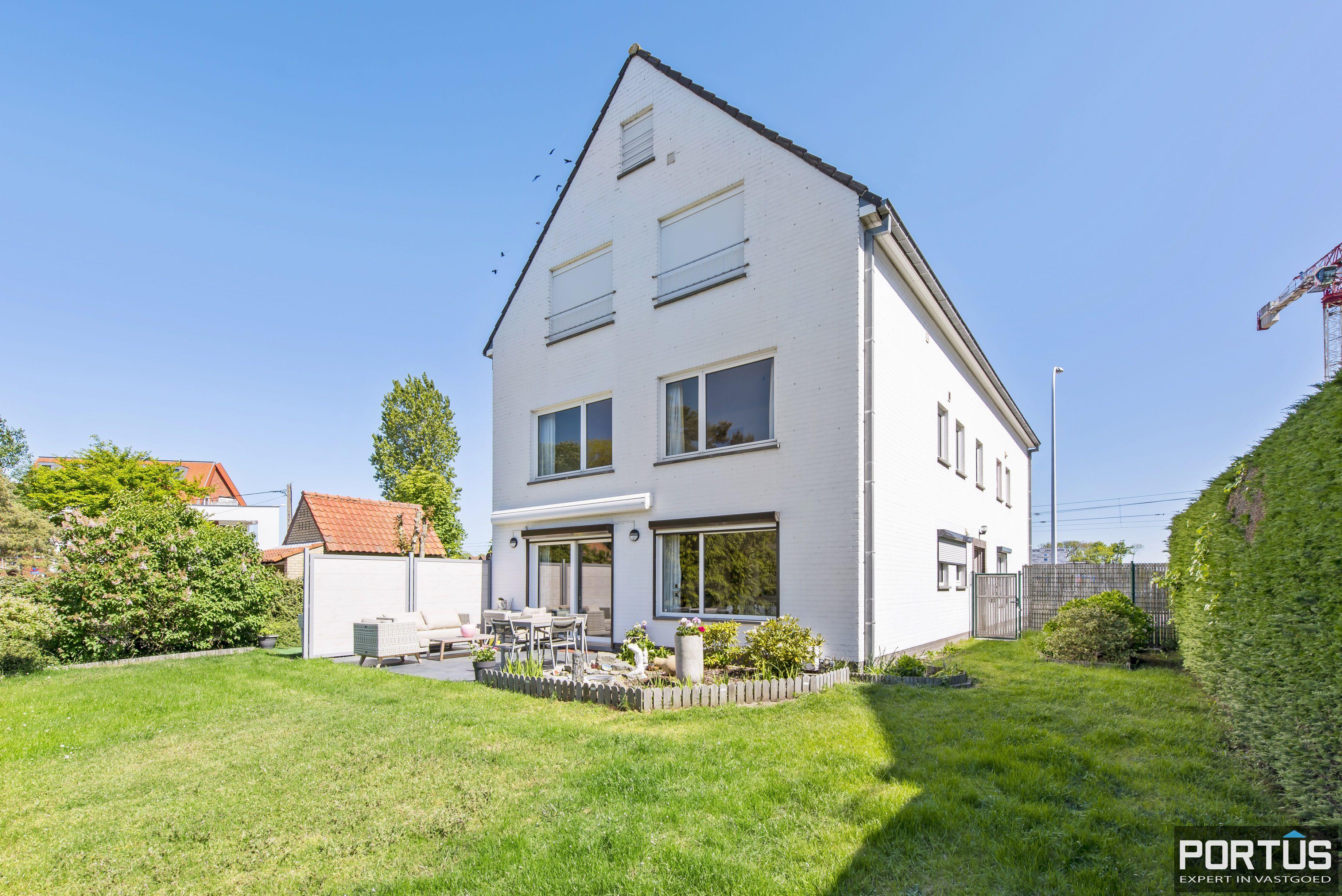 Appartement met 2 slaapkamers te koop te Nieuwpoort