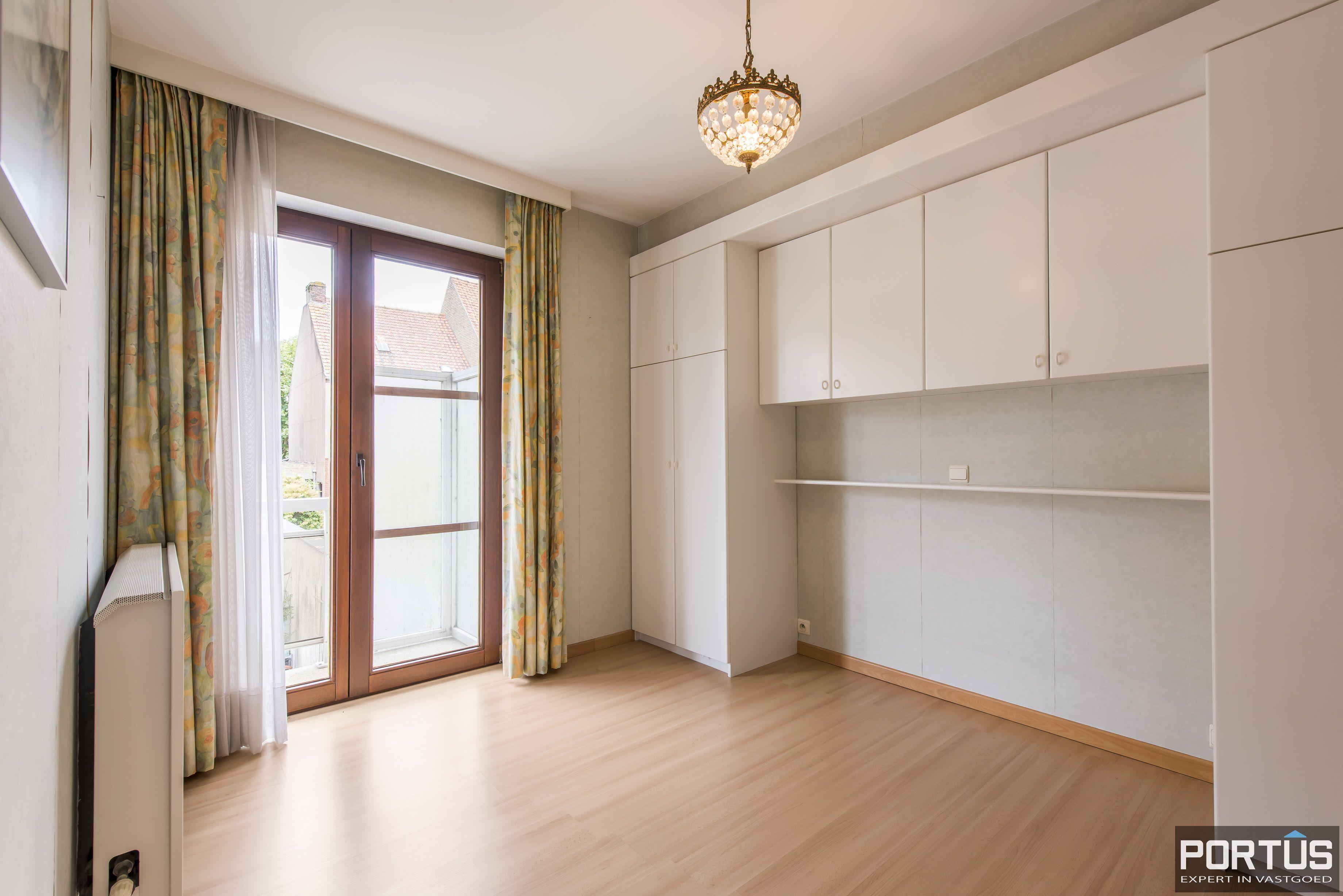 Ruim appartement met 3 slaapkamers te koop te Nieuwpoort-Stad - 11322