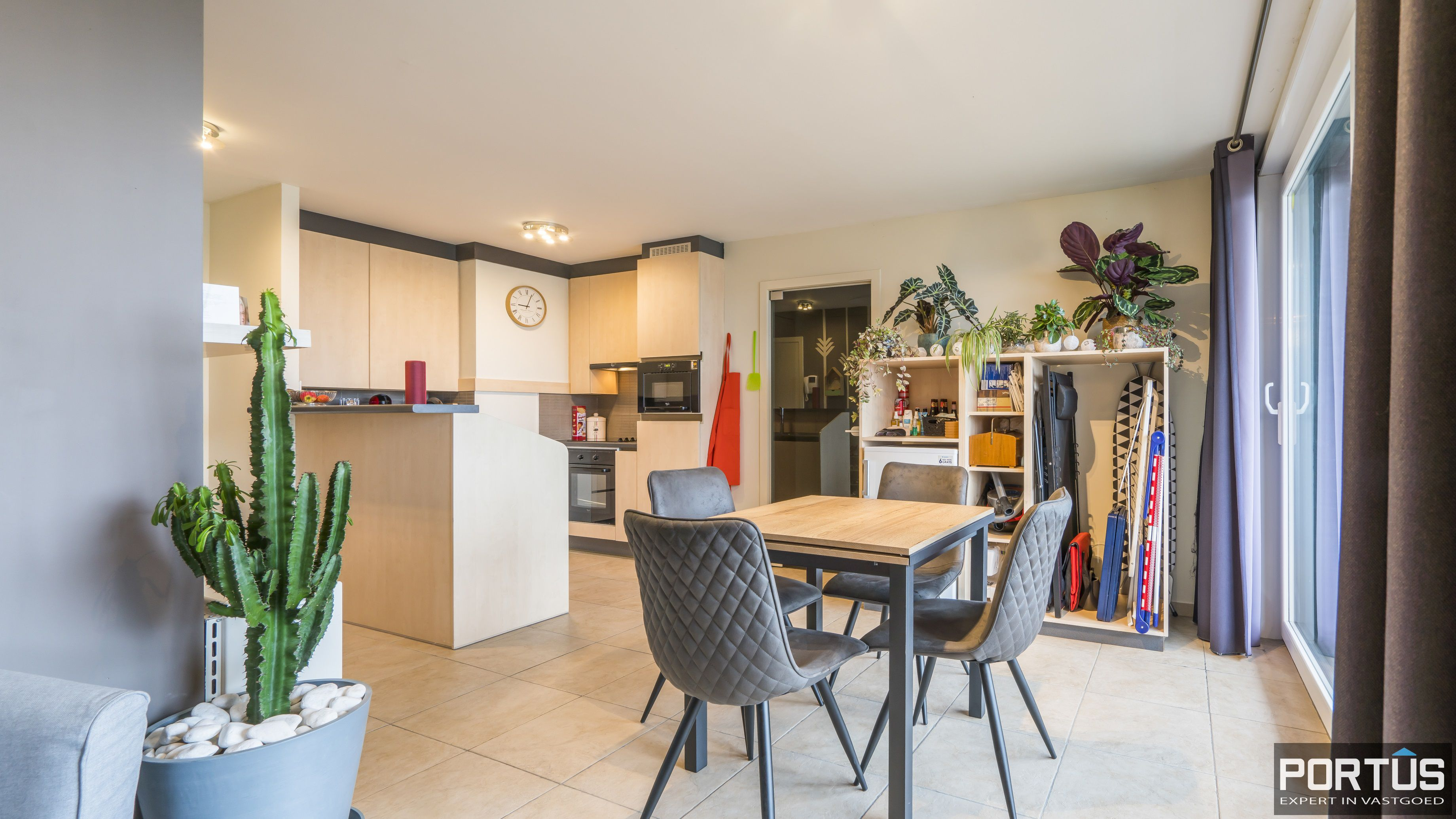 Instapklaar zongericht appartement te koop te Nieuwpoort - 11440