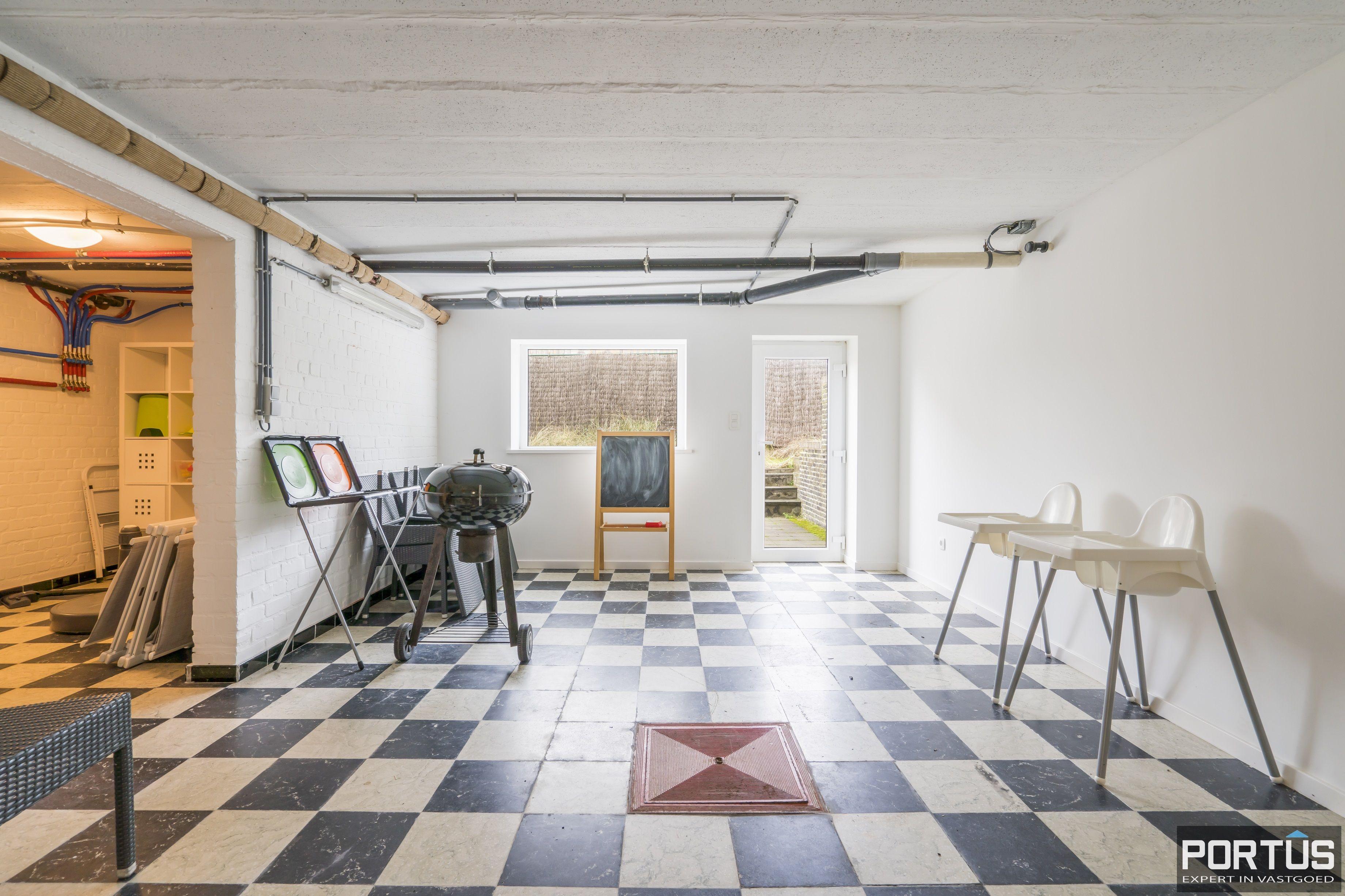 Volledig gerenoveerde villa te koop met tuin te Westende - 11949