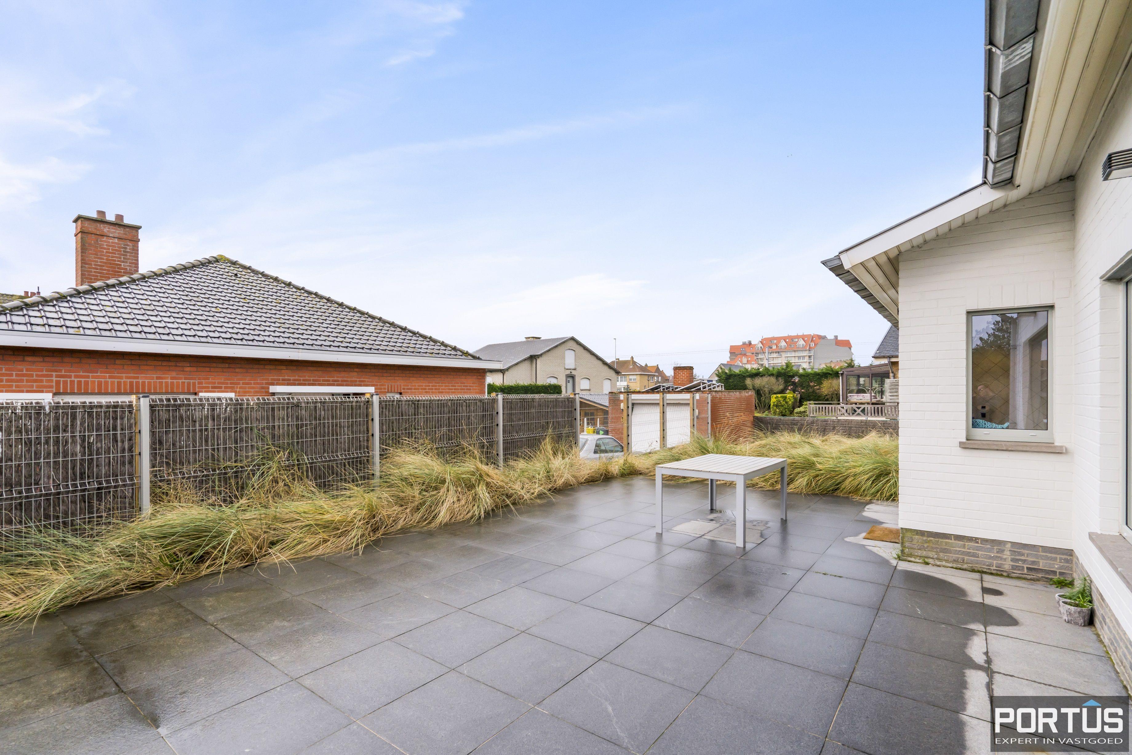Volledig gerenoveerde villa te koop met tuin te Westende - 11957