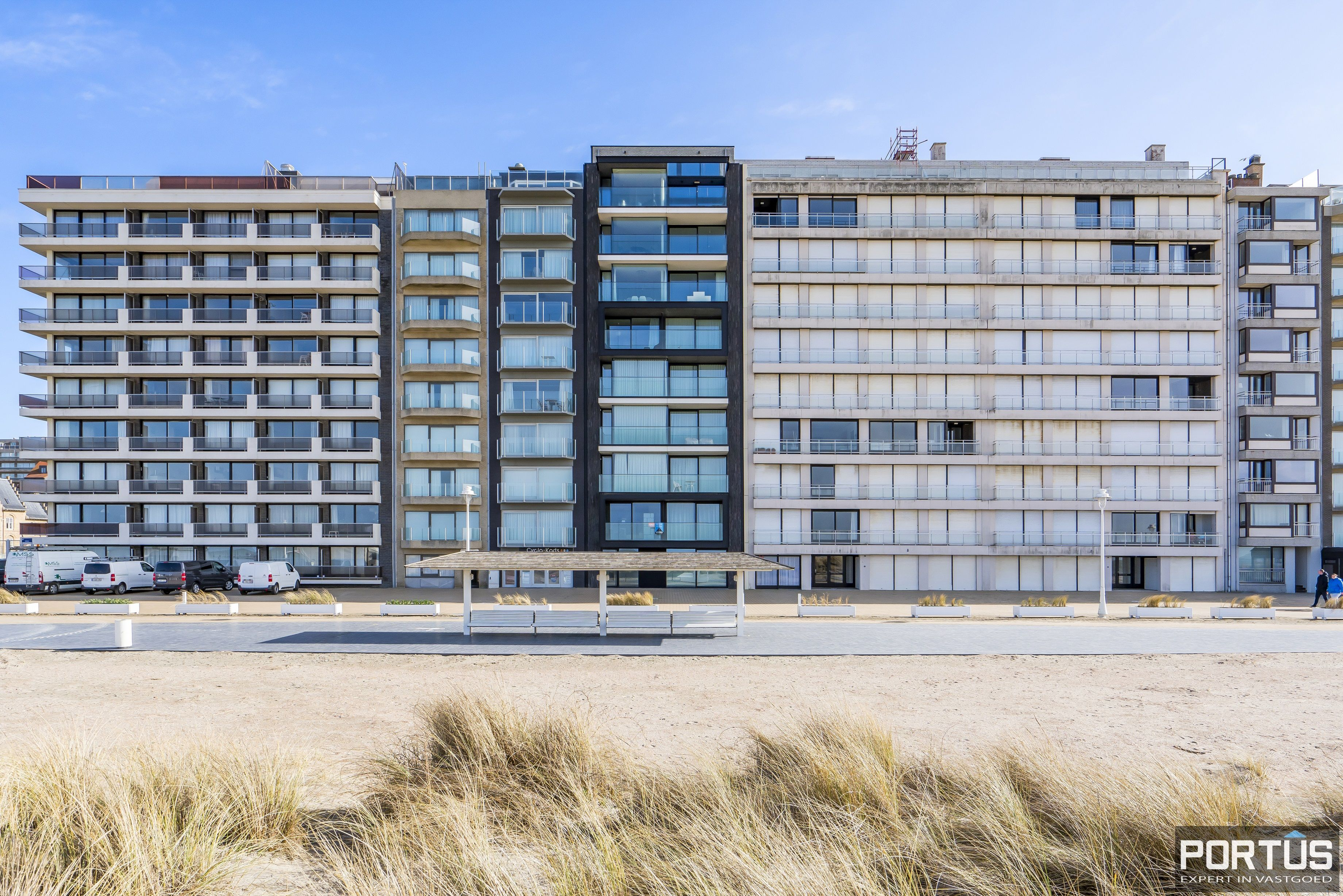 Recent appartement te koop te Nieuwpoort met frontaal zeezicht - 12392