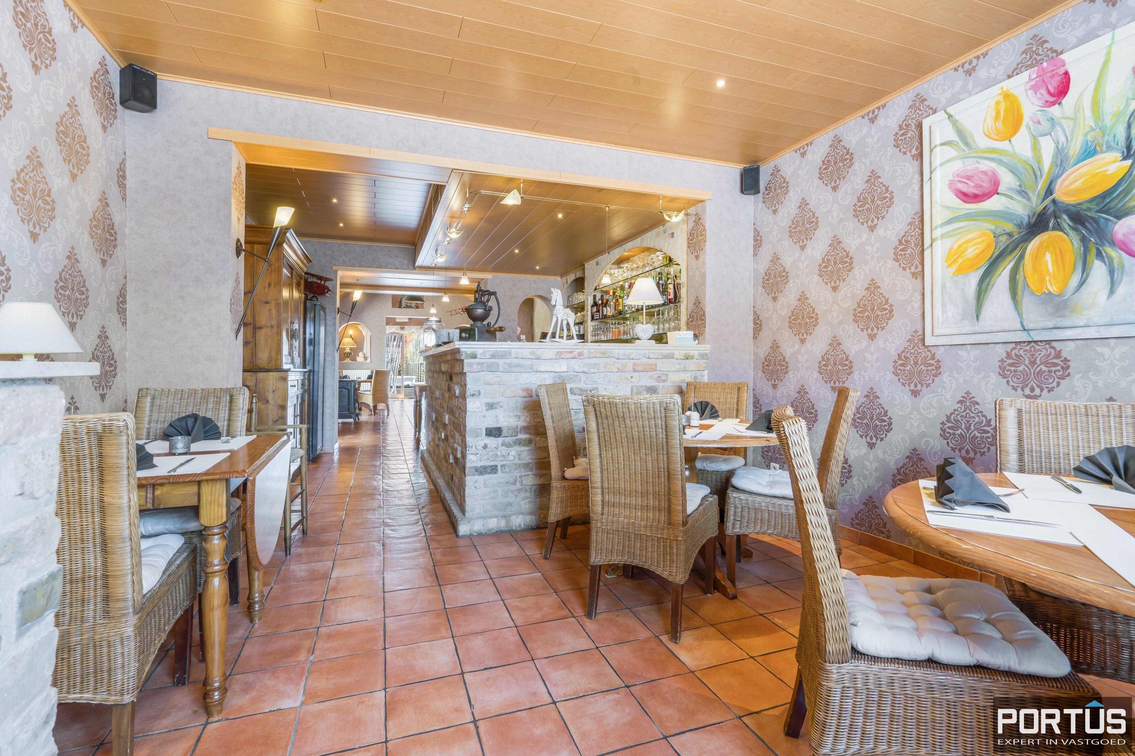 Restaurant met privéwoonst te koop te Westende - 12800