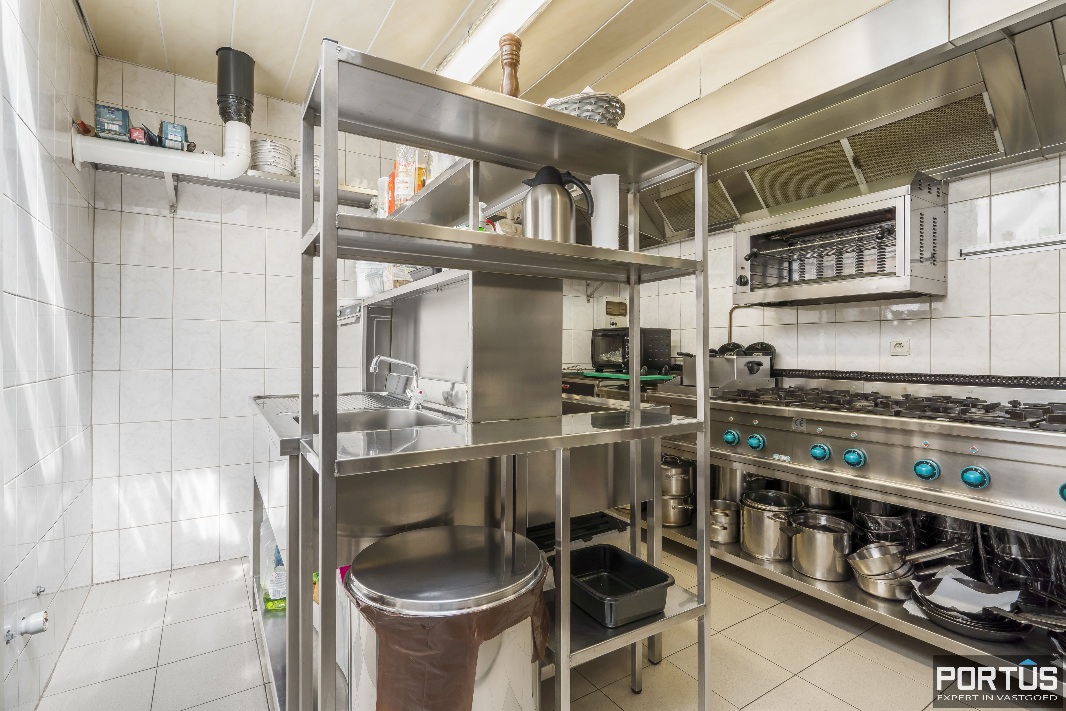 Restaurant met privéwoonst te koop te Westende - 12818