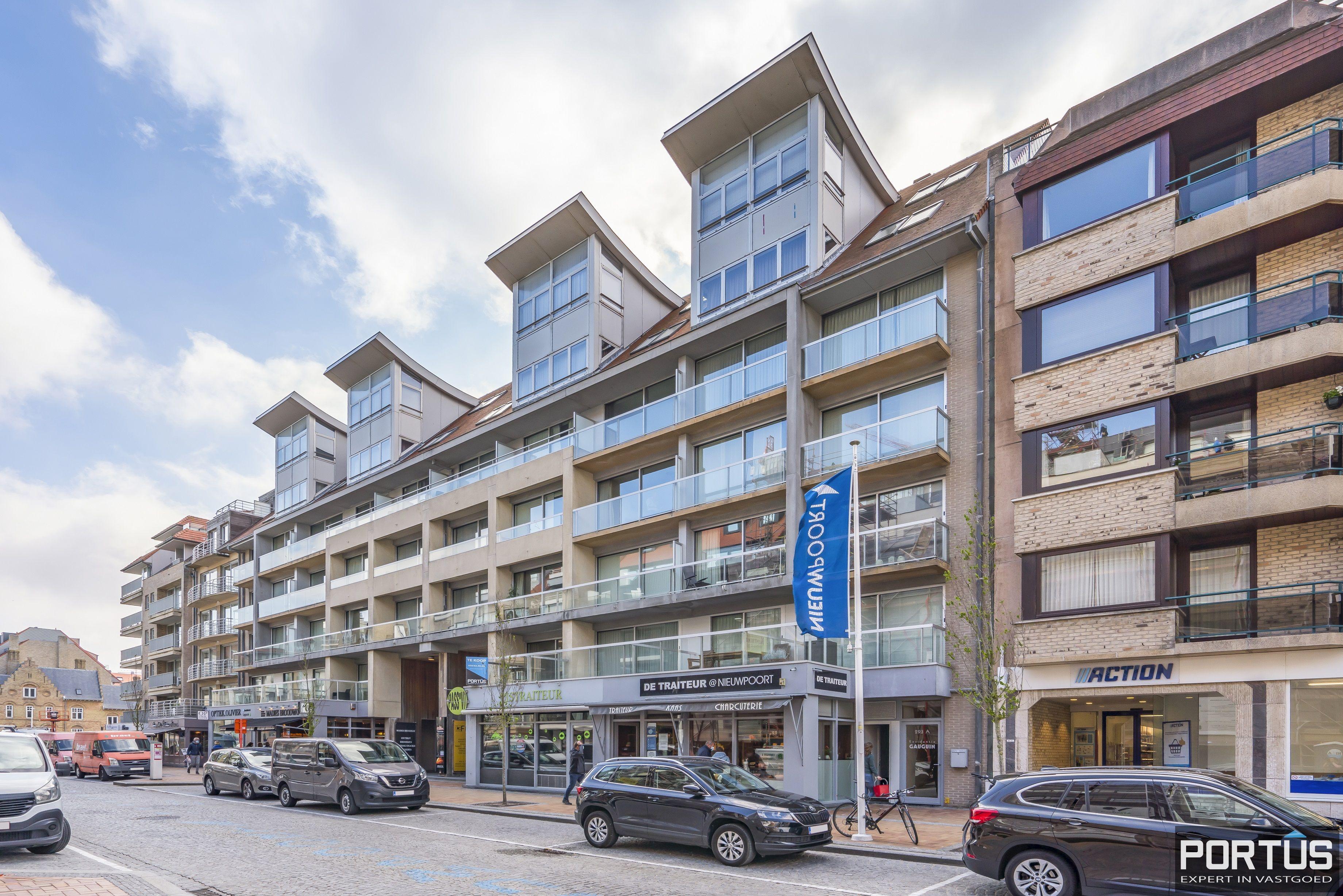 Instapklaar appartement met slaaphoek te koop te Nieuwpoort-Bad