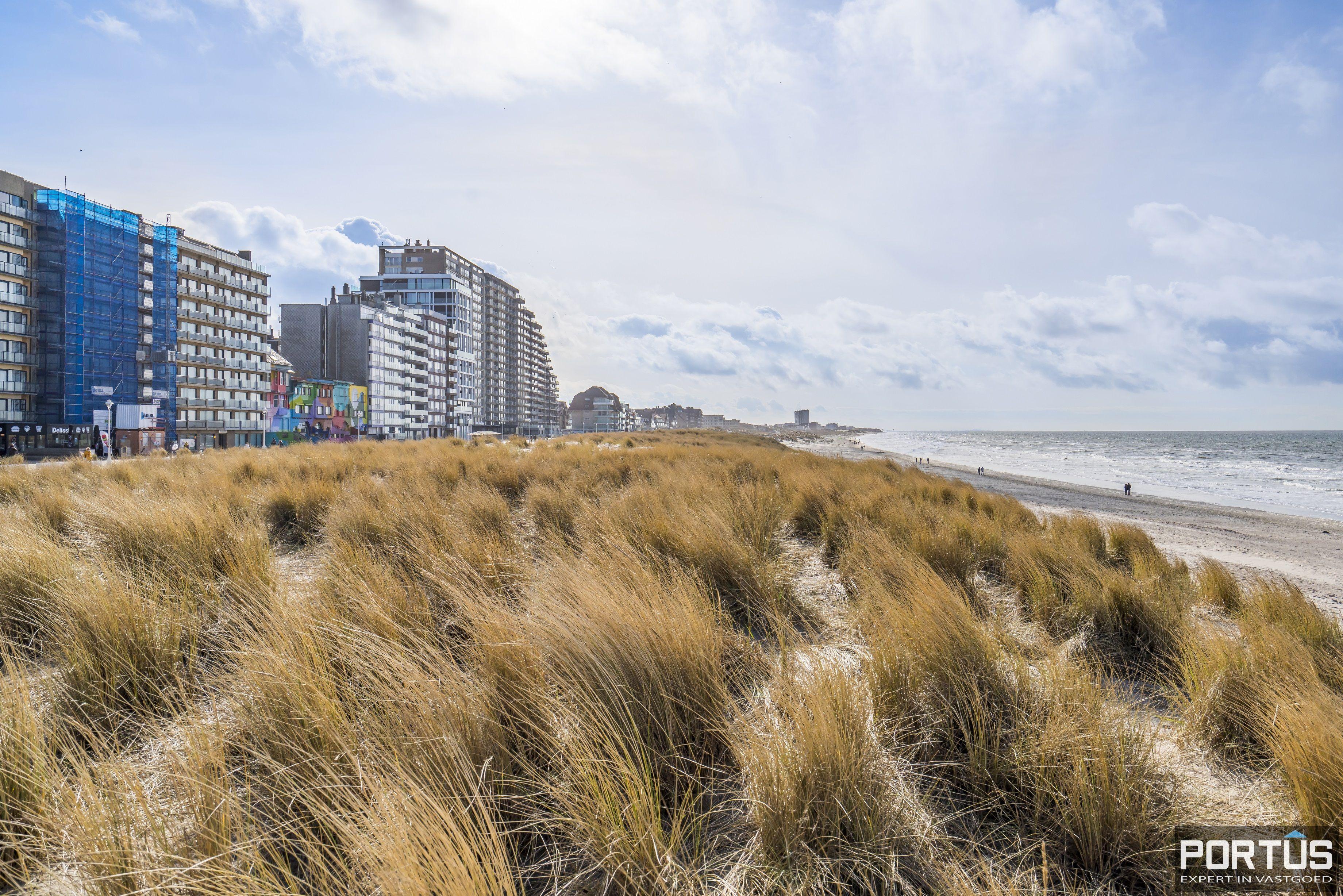 Recent appartement te koop te Nieuwpoort met frontaal zeezicht - 13036