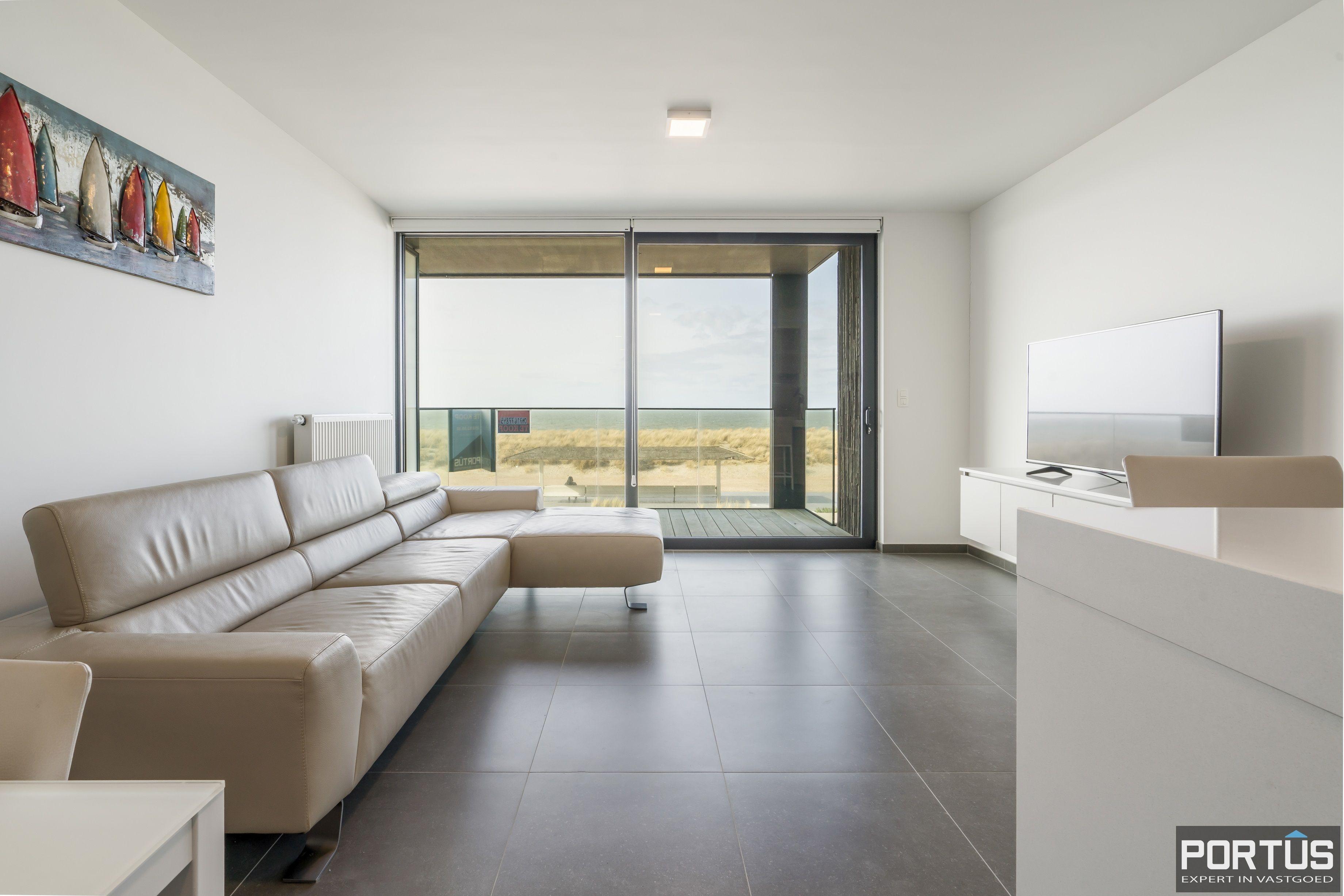 Recent appartement te koop te Nieuwpoort met frontaal zeezicht