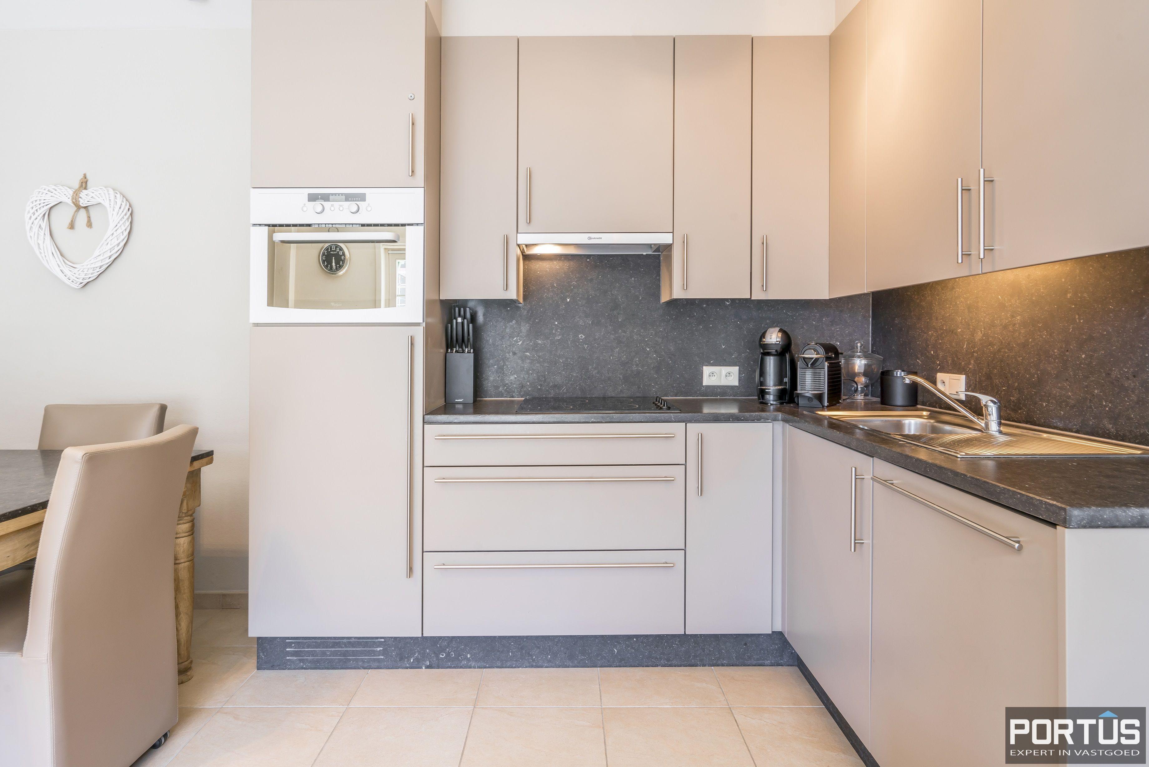 Instapklaar appartement met slaapkamer en slaaphoek te koop te Nieuwpoort - 13102