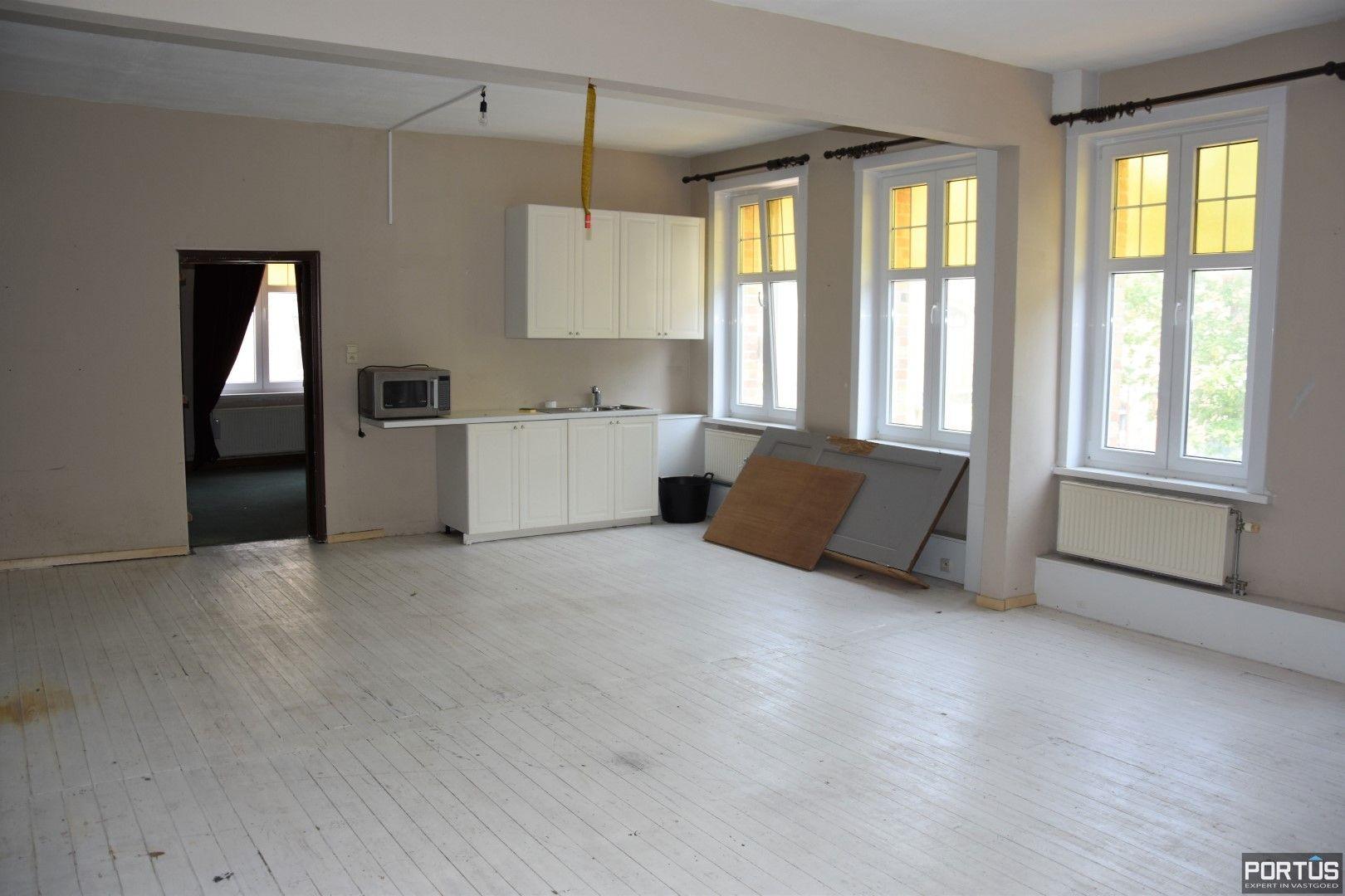 Horecazaak met woonst te huur te Nieuwpoort - 13120