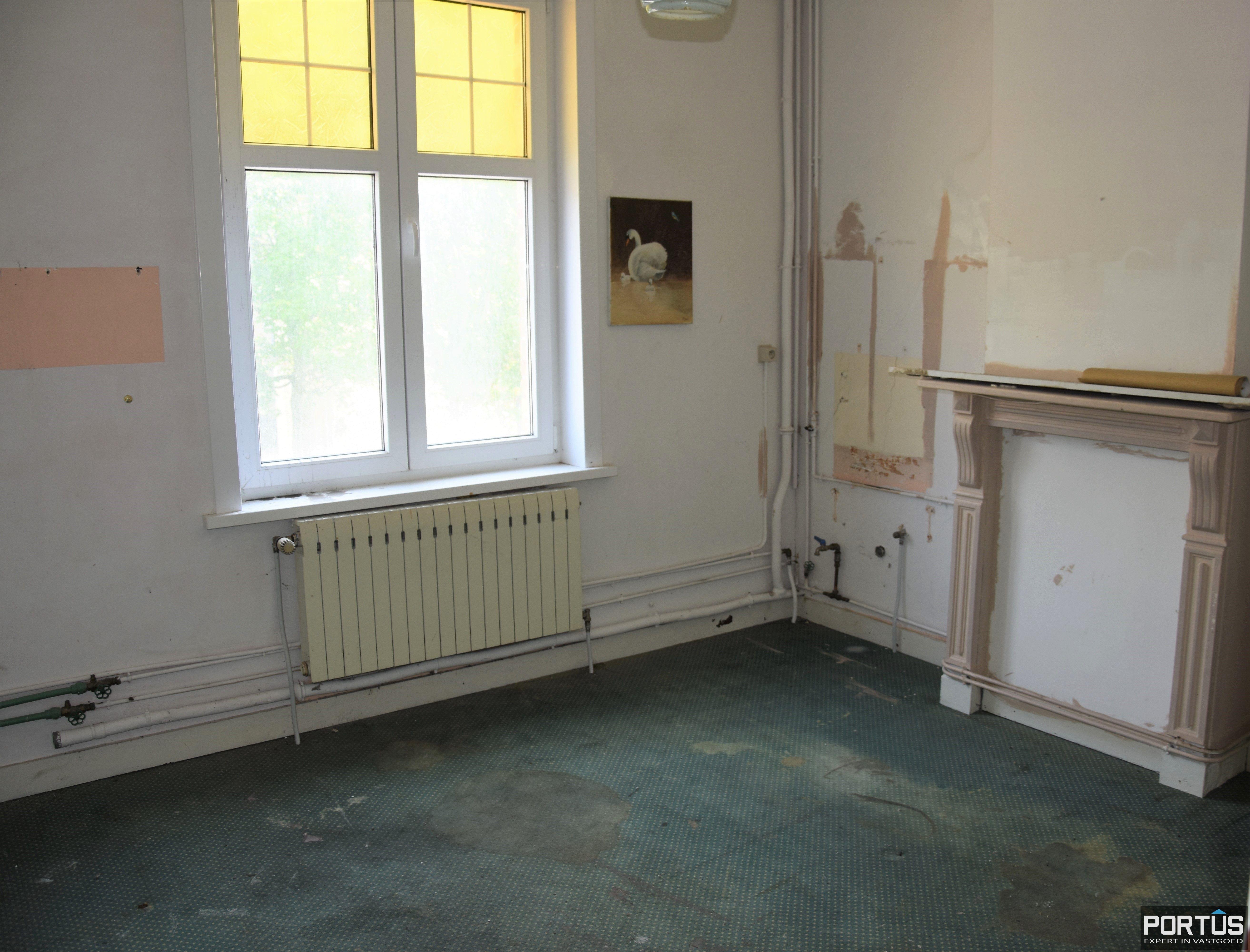 Horecazaak met woonst te huur te Nieuwpoort - 13732