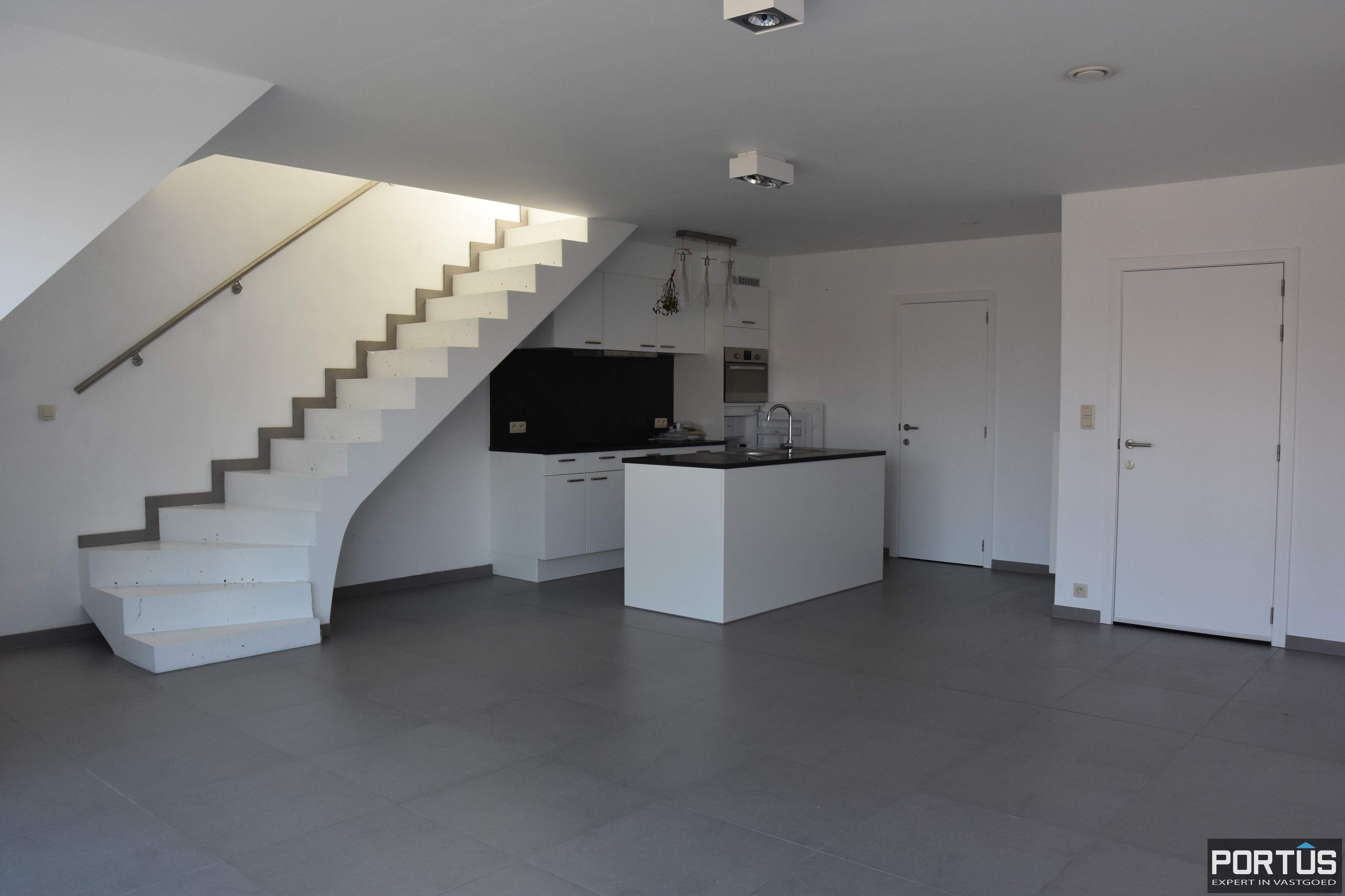 Recent appartement te huur met 3 slaapkamers, kelderberging en parking