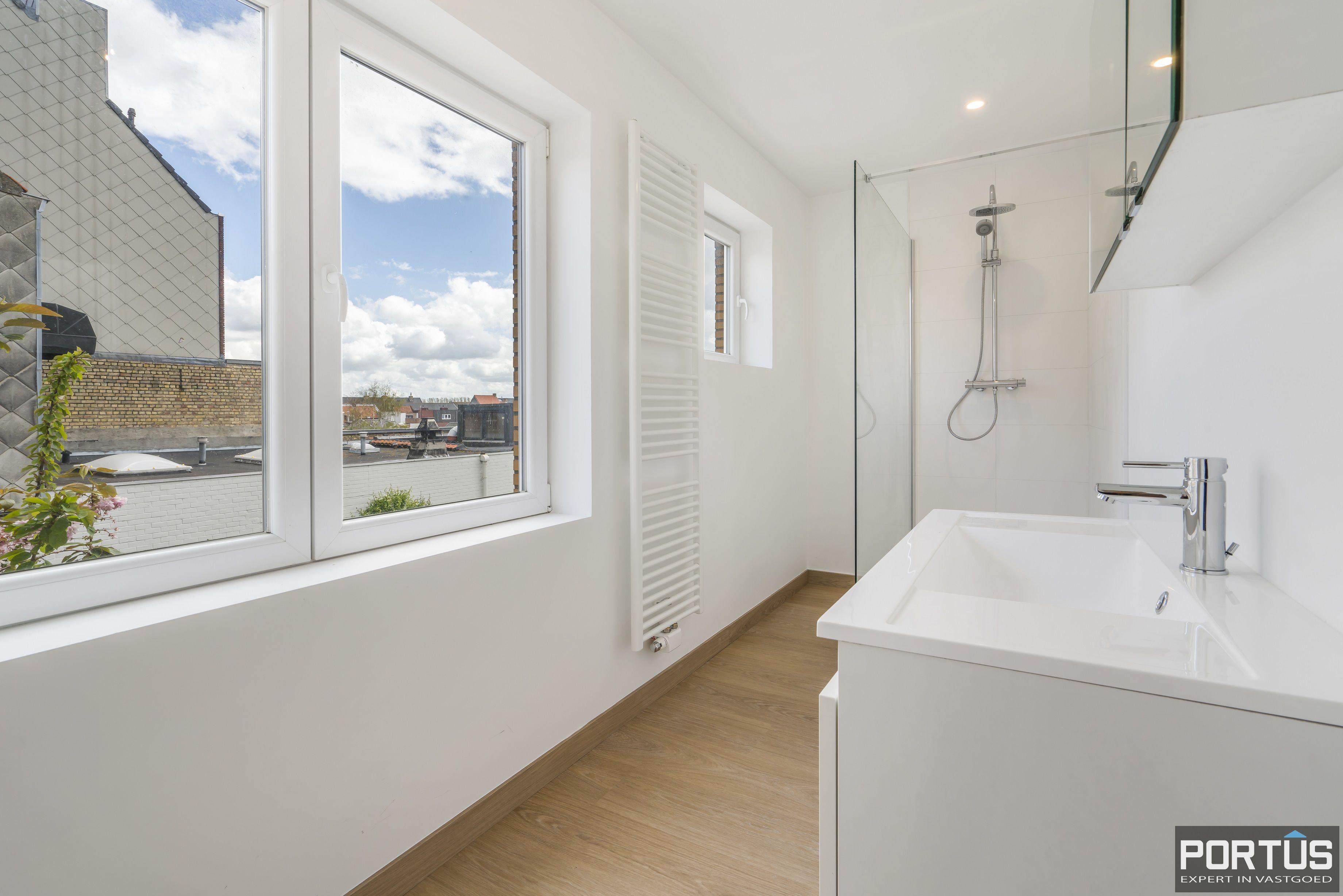Gerenoveerd appartement te koop te Westende  - 13920