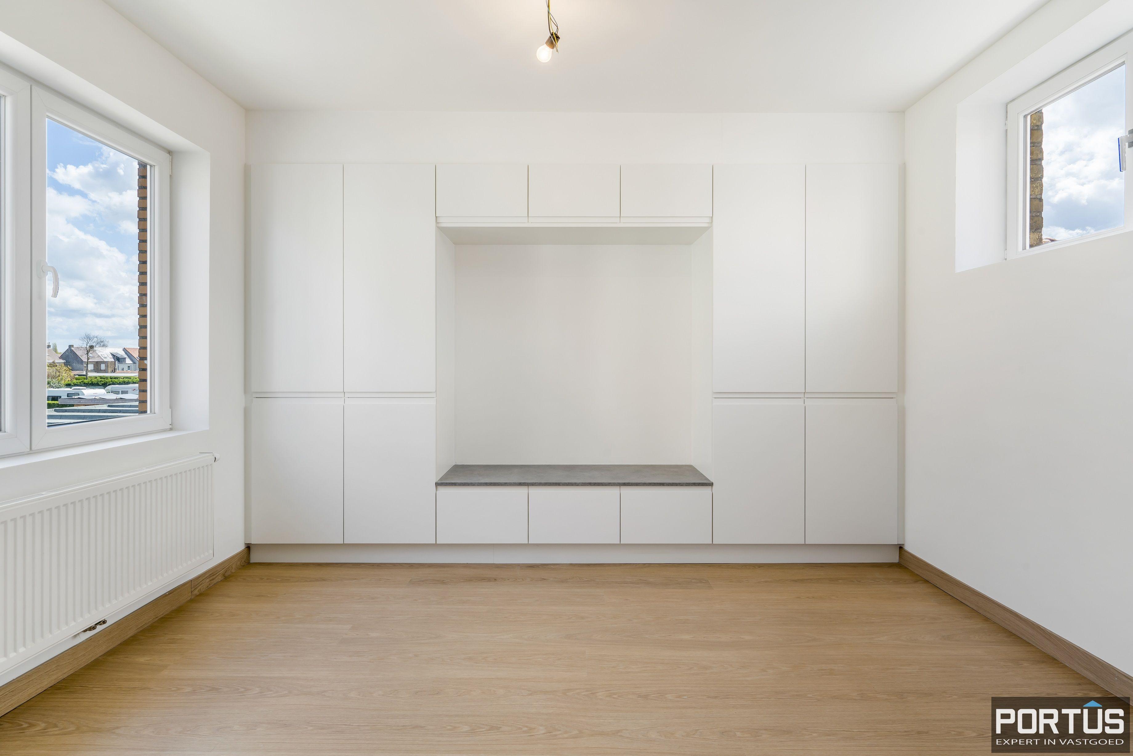 Gerenoveerd appartement te koop te Westende  - 13930