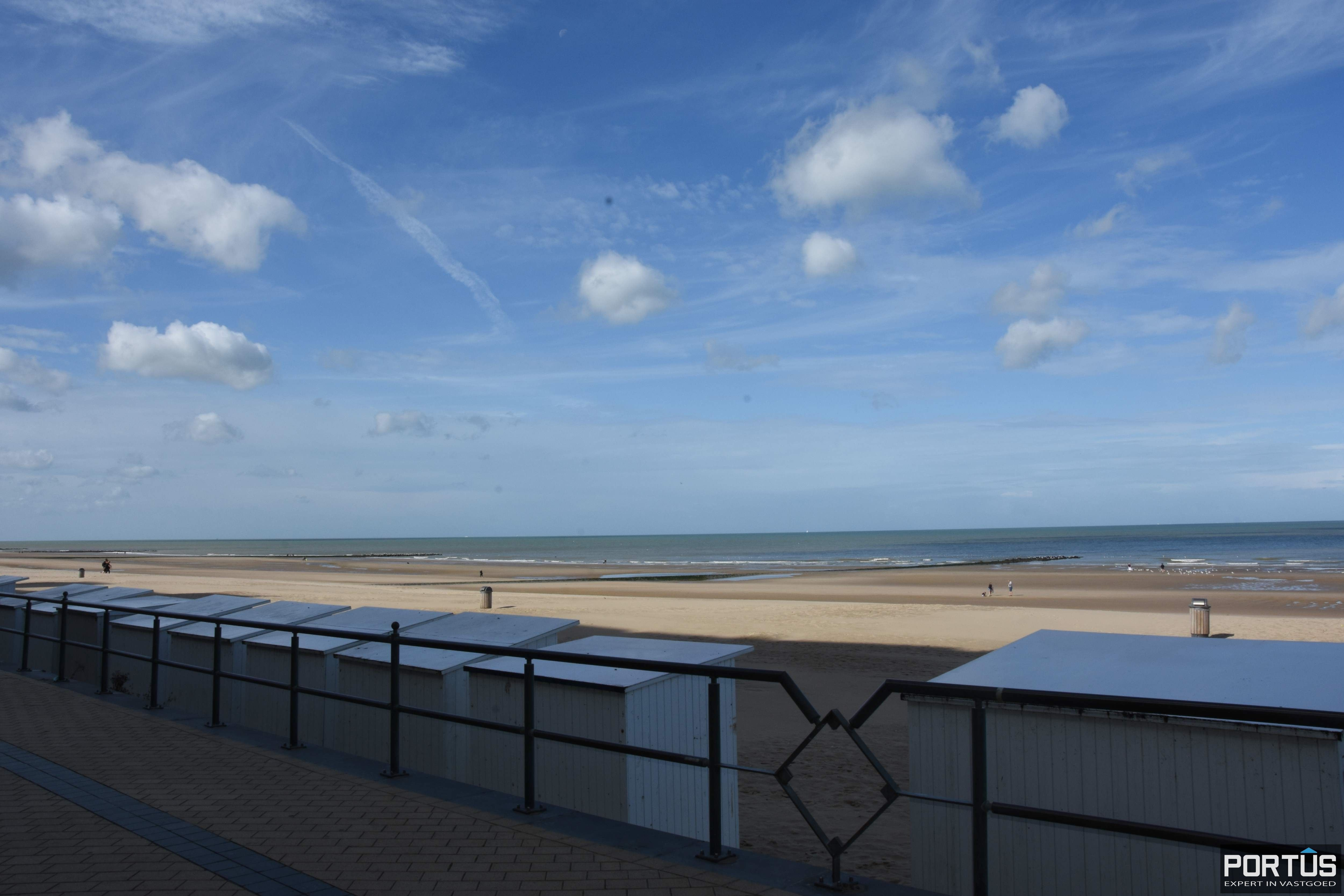 Zeer ruim handelspand te huur op de zeedijk van Middelkerke - 13943