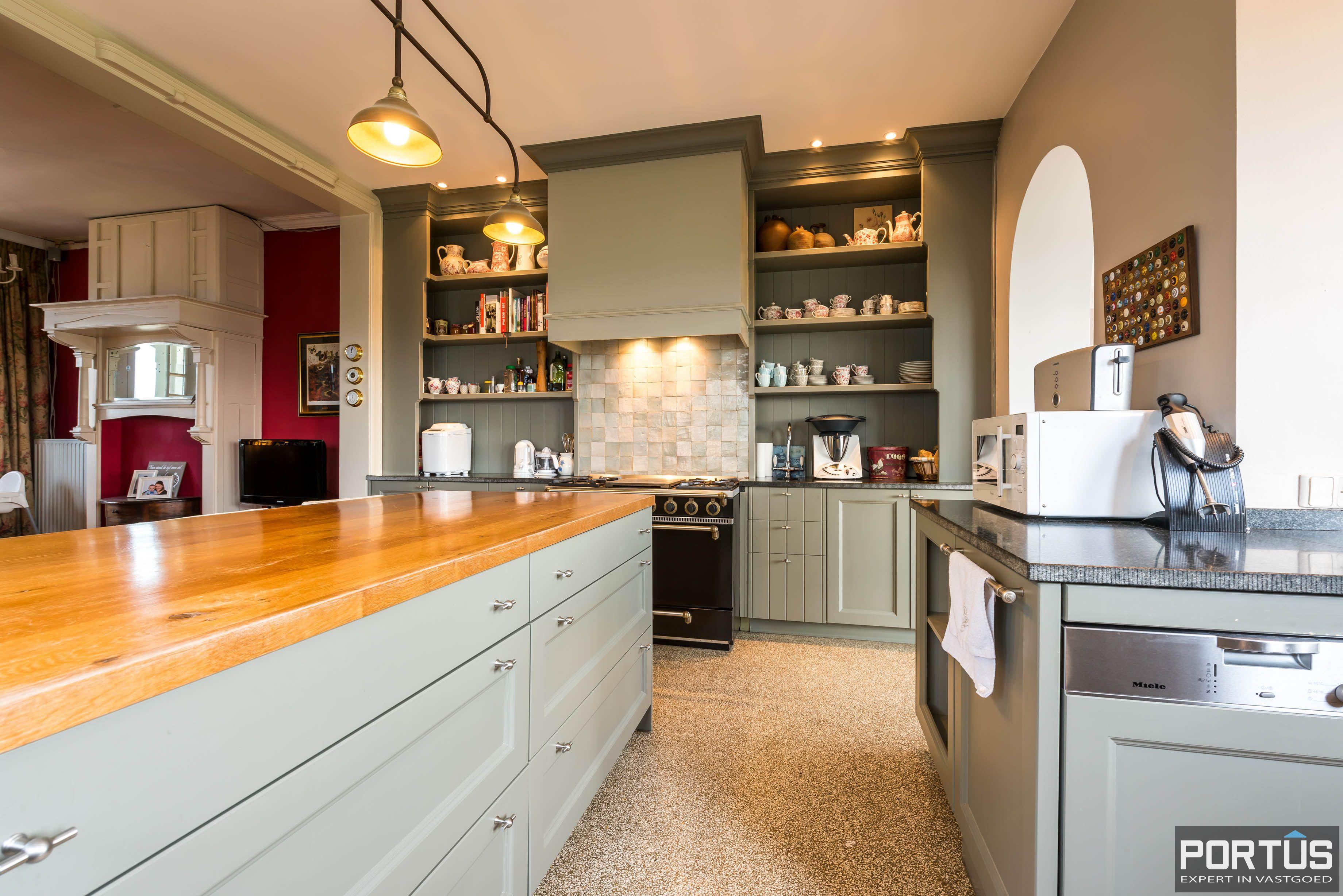 Villa/B&B te koop Westende met 6 slaapkamers - 5431